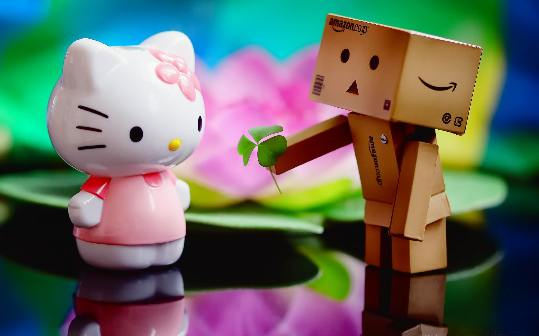 Danbo and Hello Kitty wallpaper