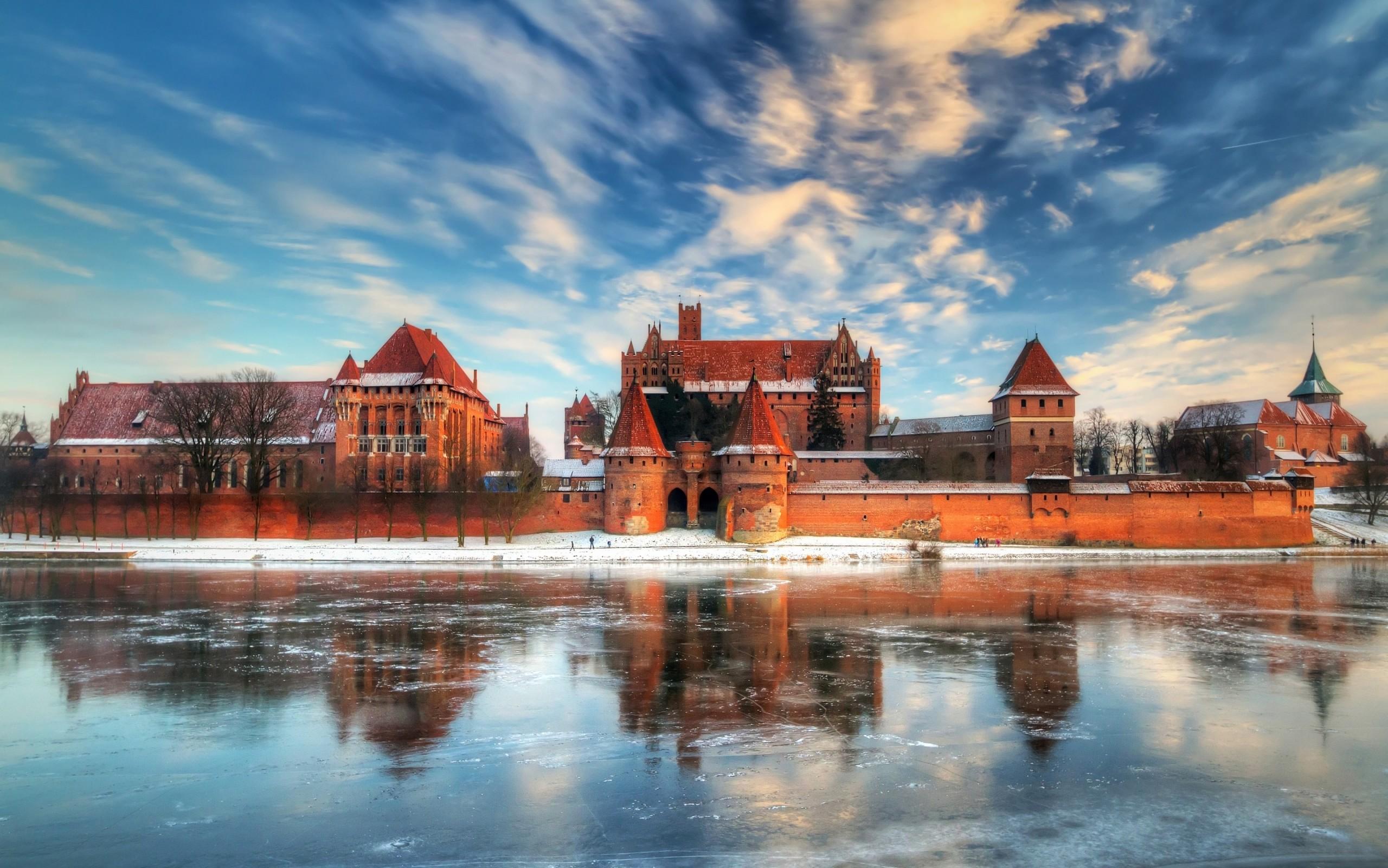 Winter castle under blue sky HD Desktop Wallpaper