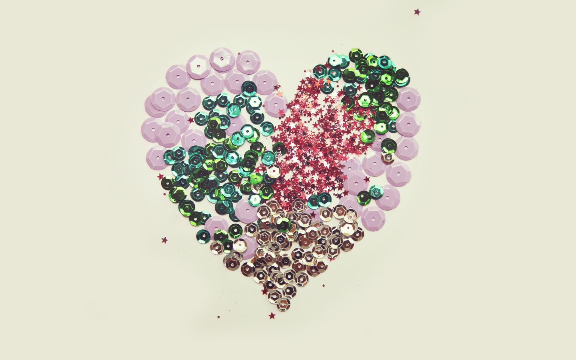 FREE 'Sparkle Heart' Desktop Wallpaper | April 03, 2013
