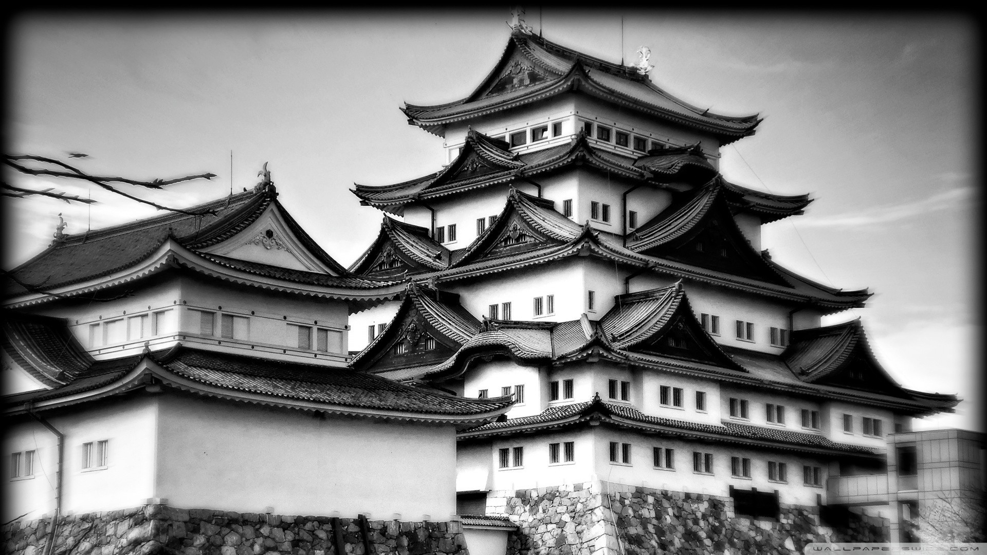 A great look at one of the most famous castles in Japan. Nagoya Castle is  really a beauty. Come and see it in black and white HDR!