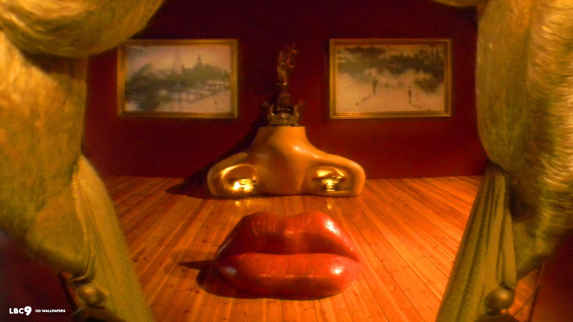mae west lips sofa 1920×1080