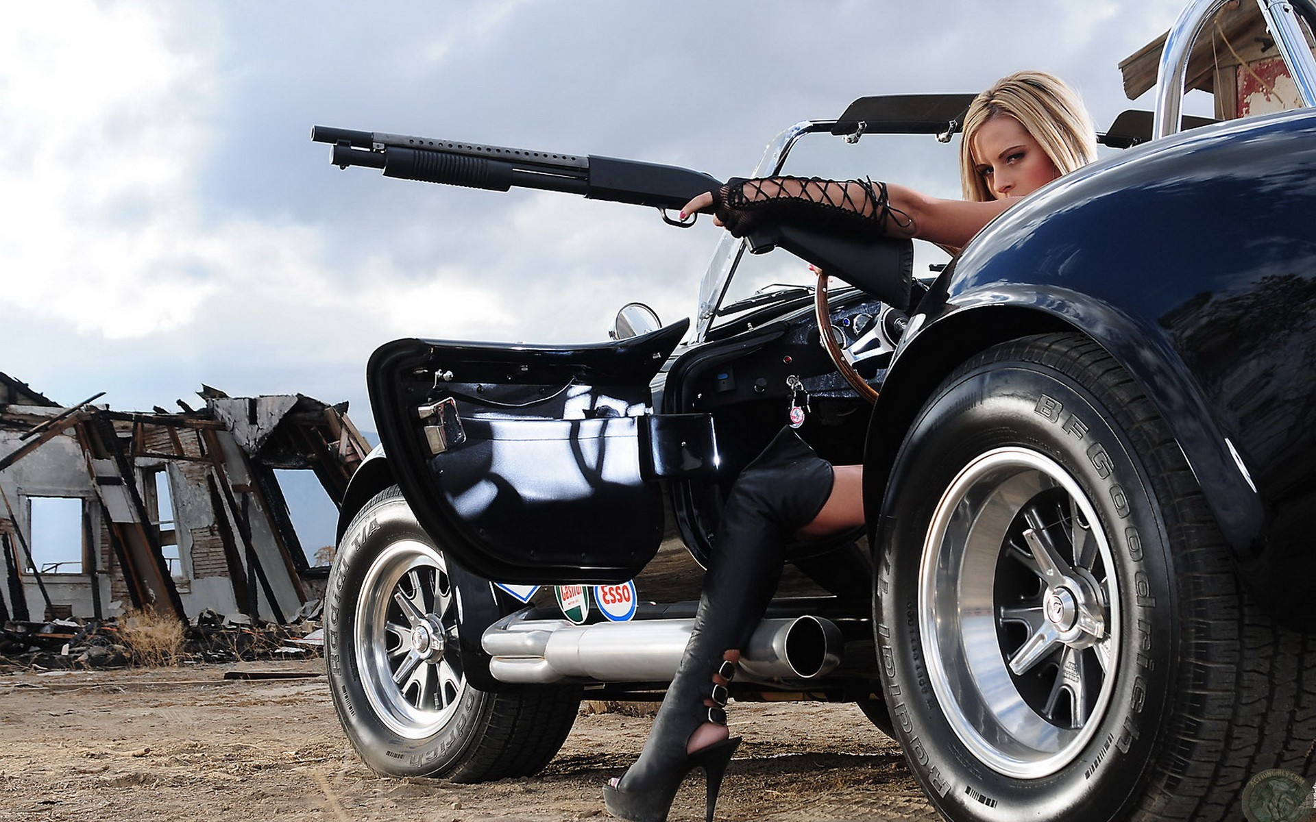 Babes, muscle cars and guns. Everything the zombie apocalypse needs.