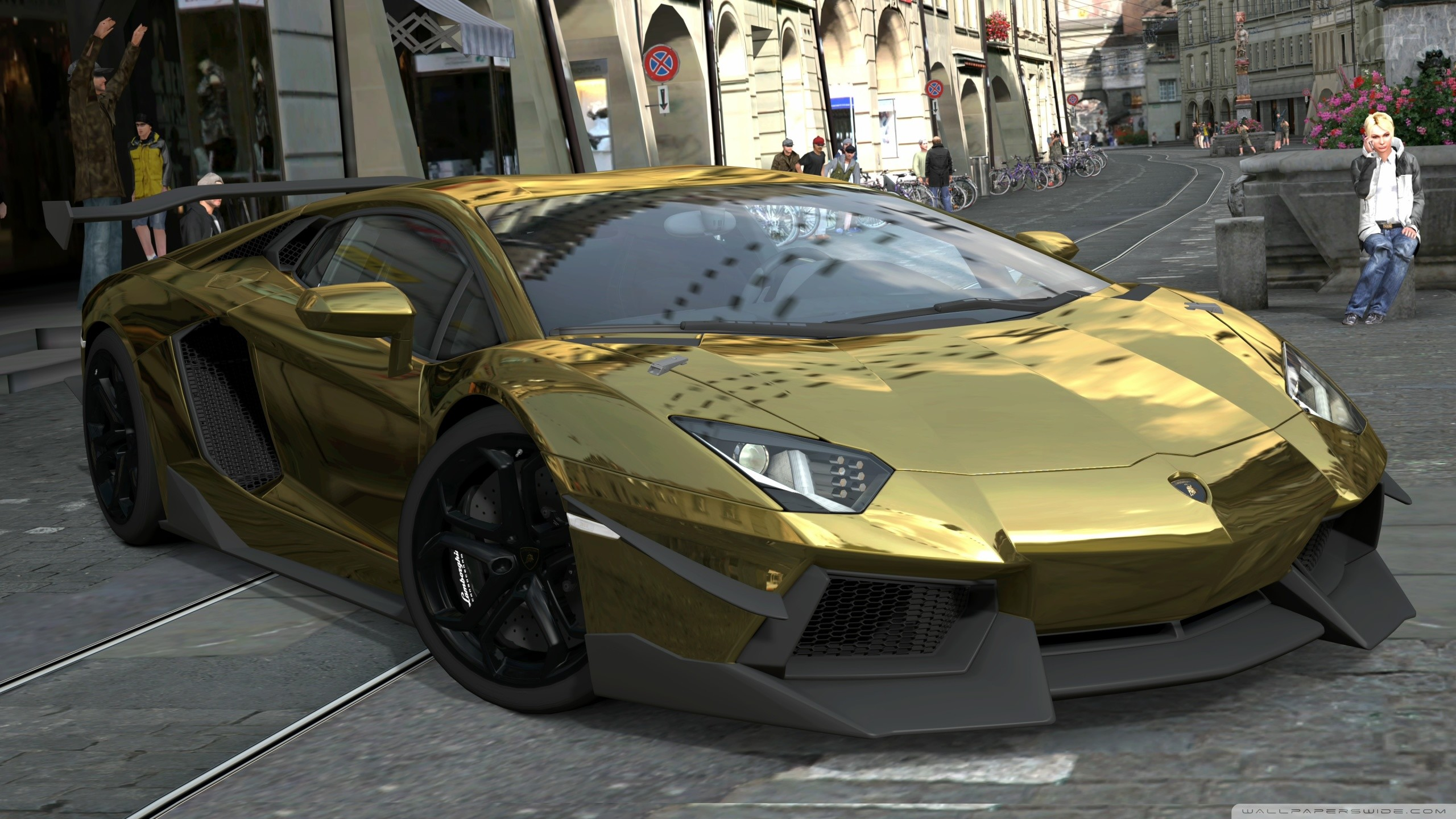 World No1 luxury Car Lamborghini Aventador Gold