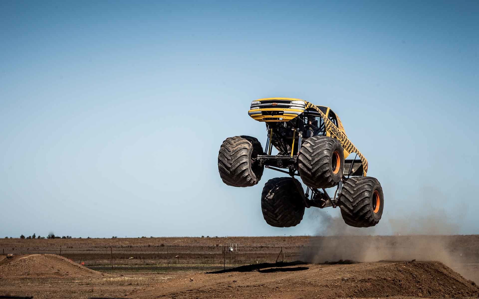 Gold Monster Truck Rally HD Wallpapers   Pickup Truck