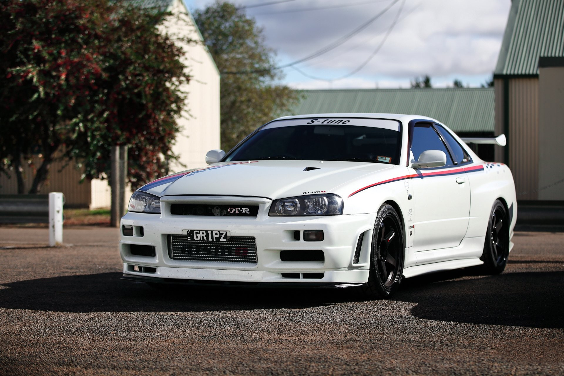 Nissan skyline gtr r car wallpaper Nissan Skyline GTR Wallpapers Wallpapers)