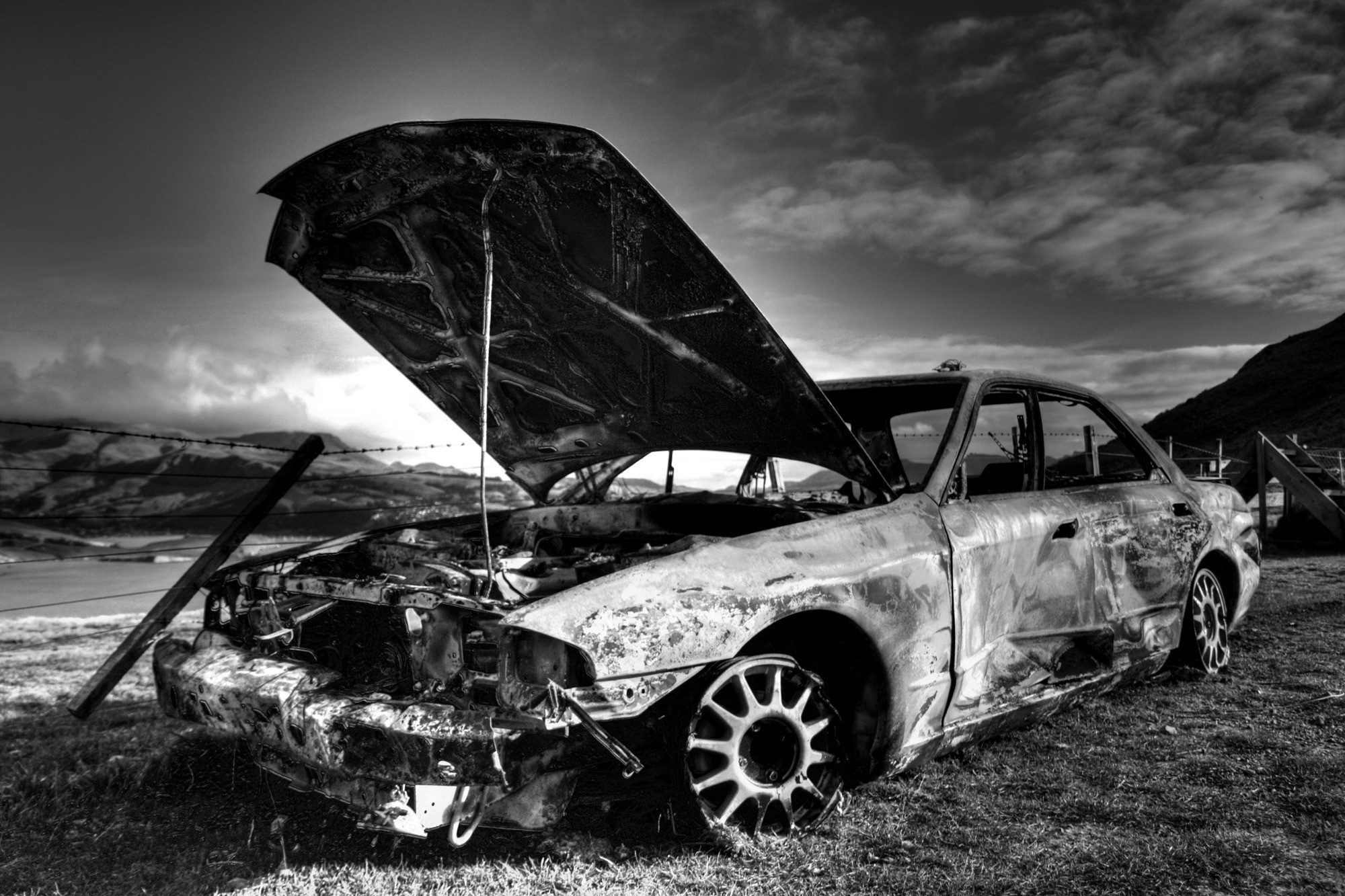 monochrome, Car, Wreck, Nissan Skyline R32 Wallpapers HD / Desktop and  Mobile Backgrounds