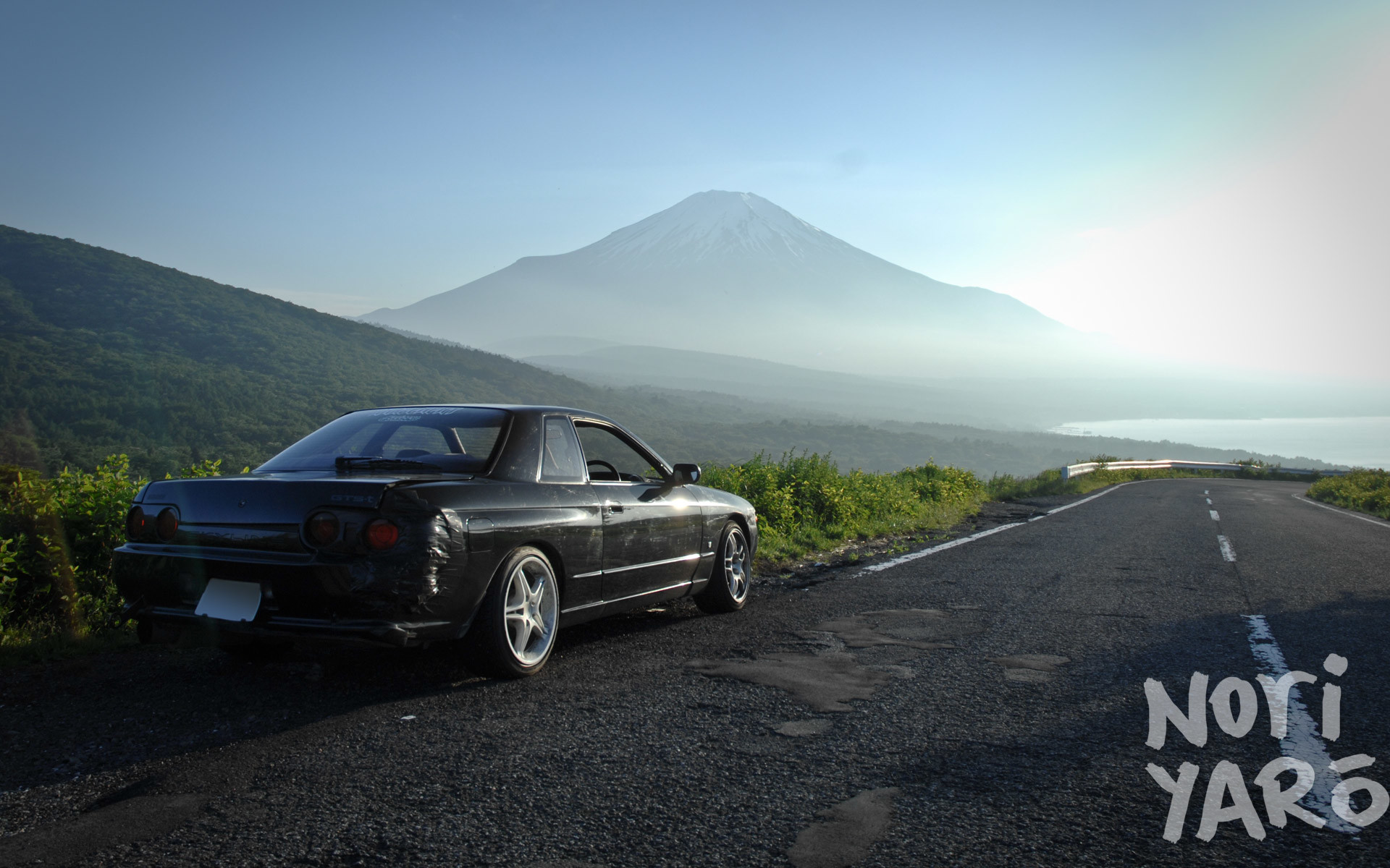 WALLPAPER WEDNESDAY: Skyline at Fuji, and 396 Motoring Cresta