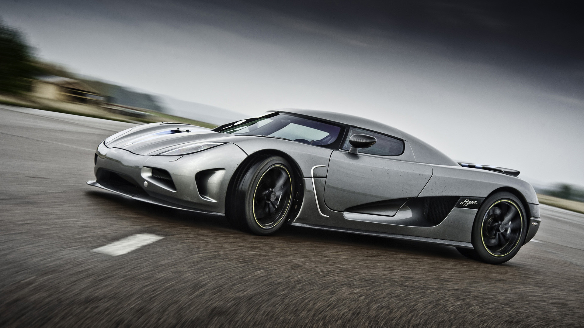 7. cool-cars-wallpaper8-600×338