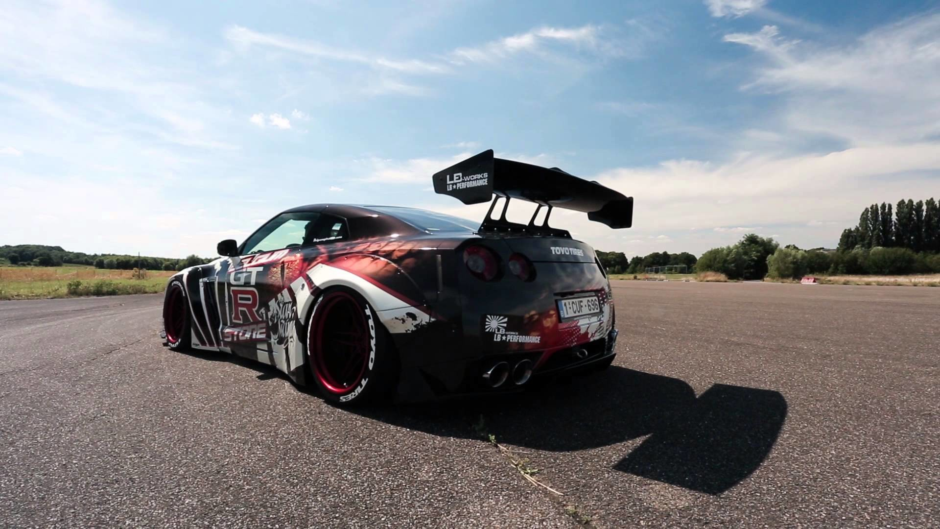 Liberty Walk Nissan GT-R w/ Innotech Performance Exhaust – Startup and  revving – YouTube