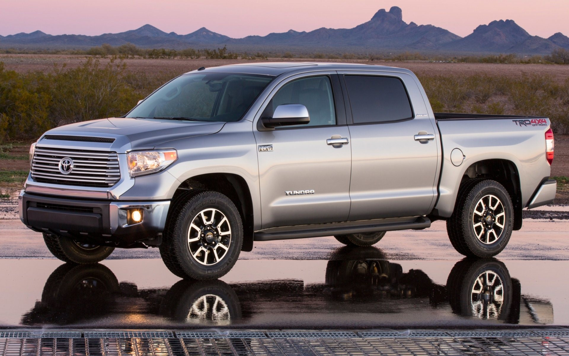 2014 Toyota Tundra Wallpapers | High Quality Wallpapers