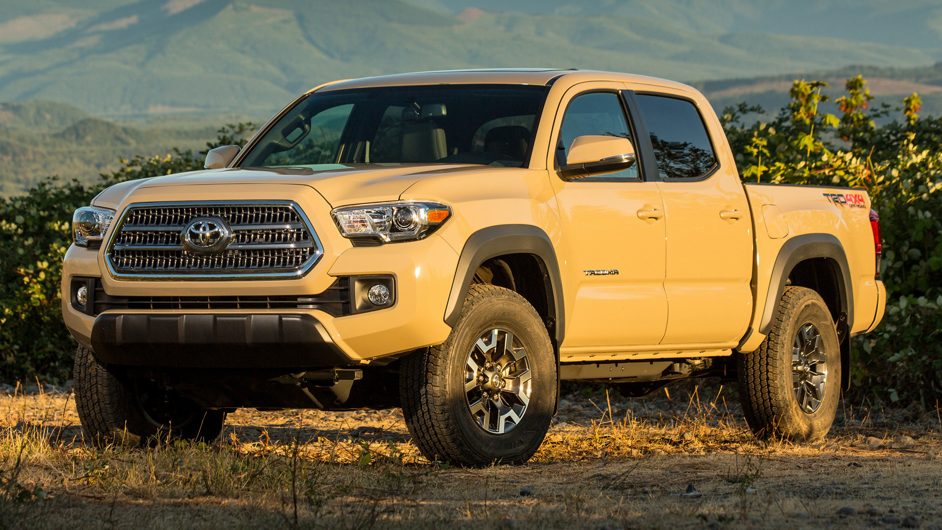 Toyota Tacoma TRD Off-Road Double Cab (2016) Wallpapers .