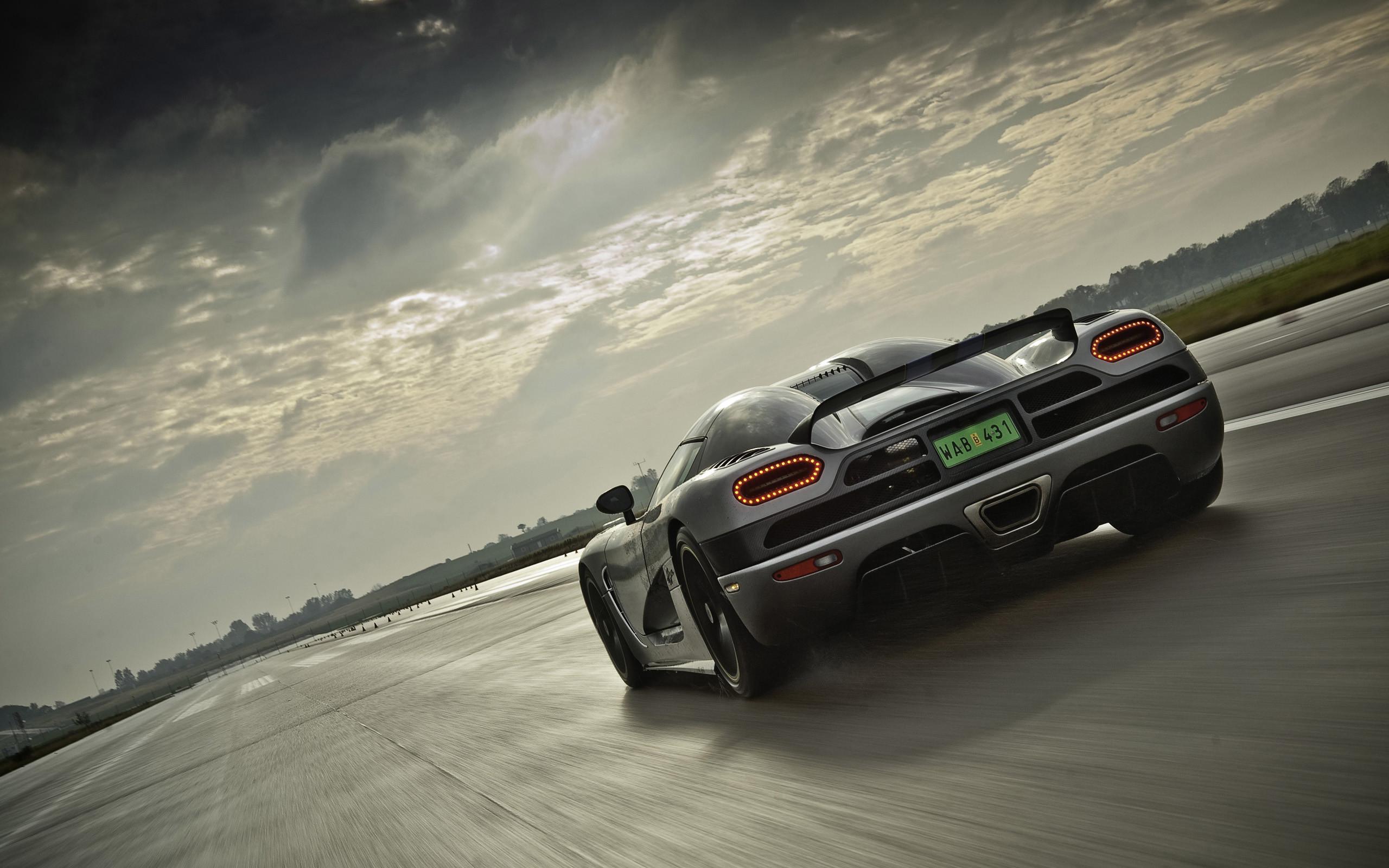 wallpaper.wiki-Koenigsegg-Agera-R-Background-2560×1600-PIC-