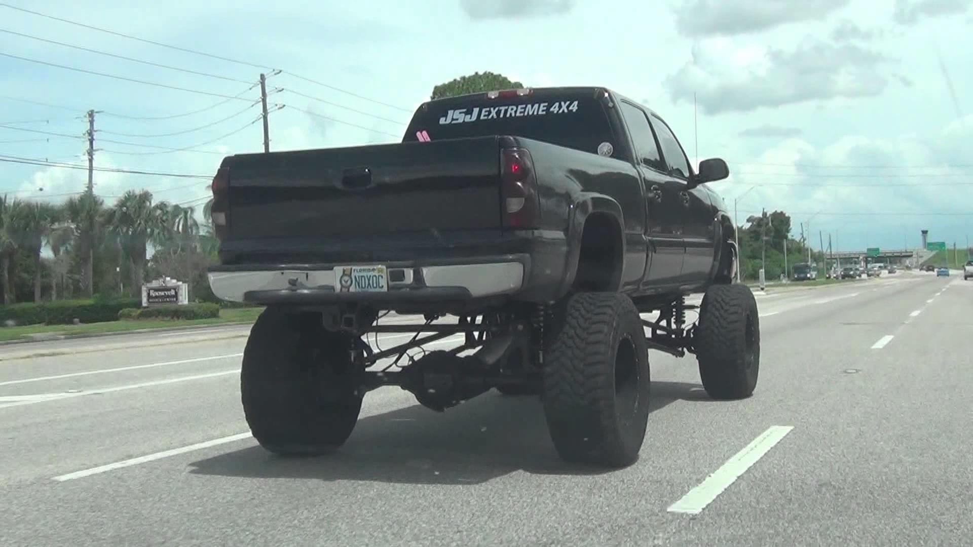 nice big lifted 4×4 redneck truck