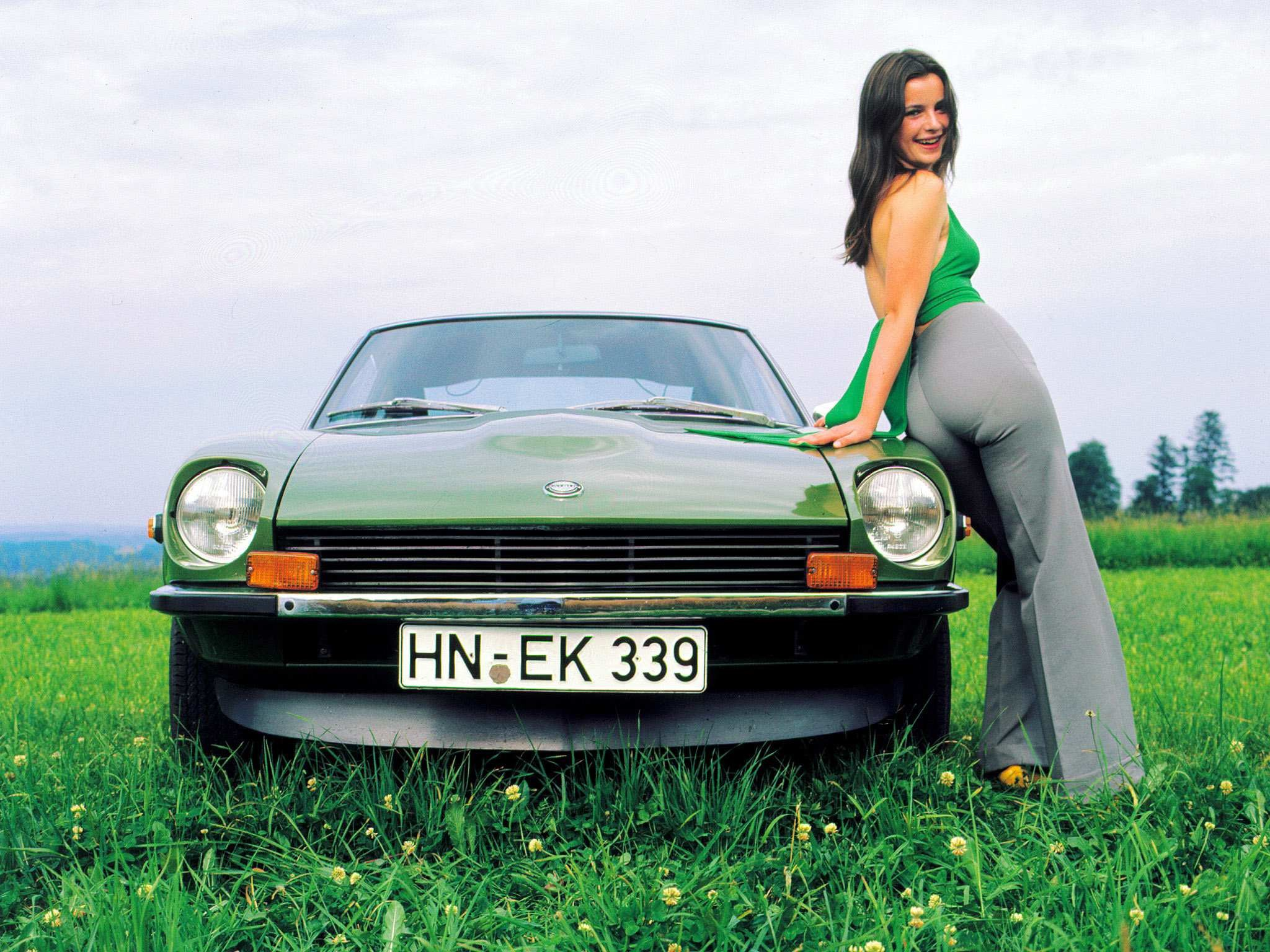 1969 Datsun 240Z car specifications. Description Specifications Performance  Pictures Wallpapers