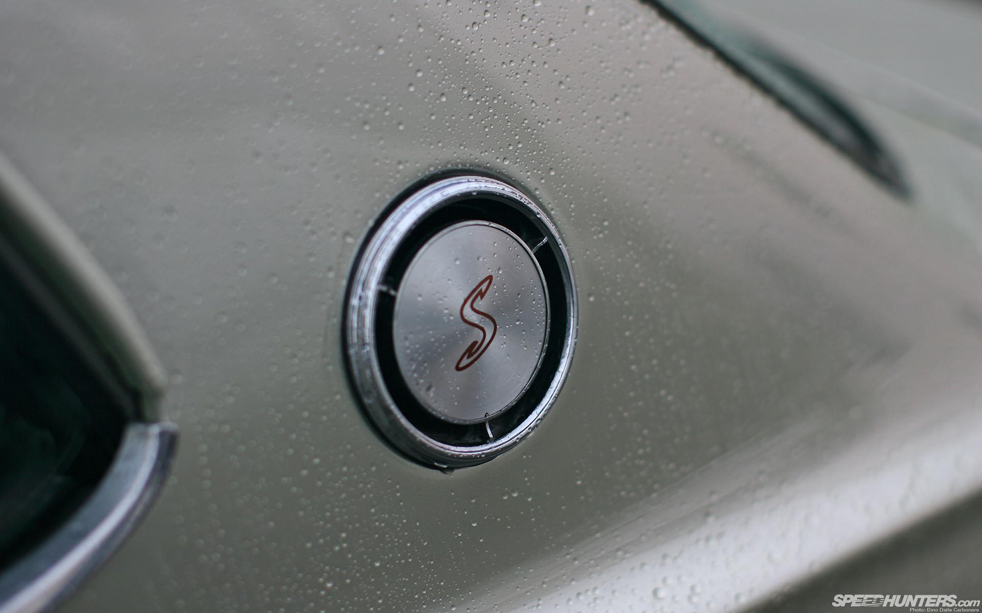 Nissan Skyline GTR Water Drops Logo HD wallpaper thumb