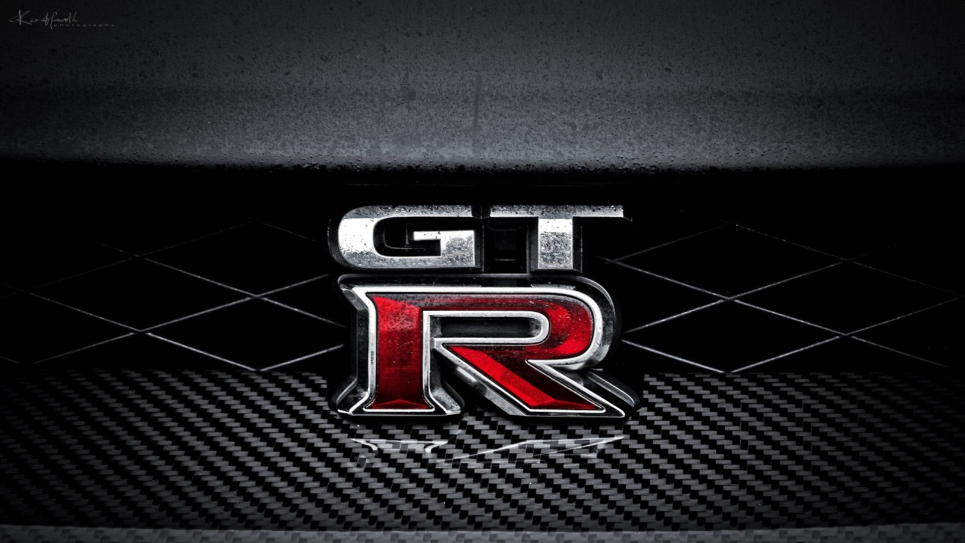 4K HD Wallpaper: Nissan GTR Logo
