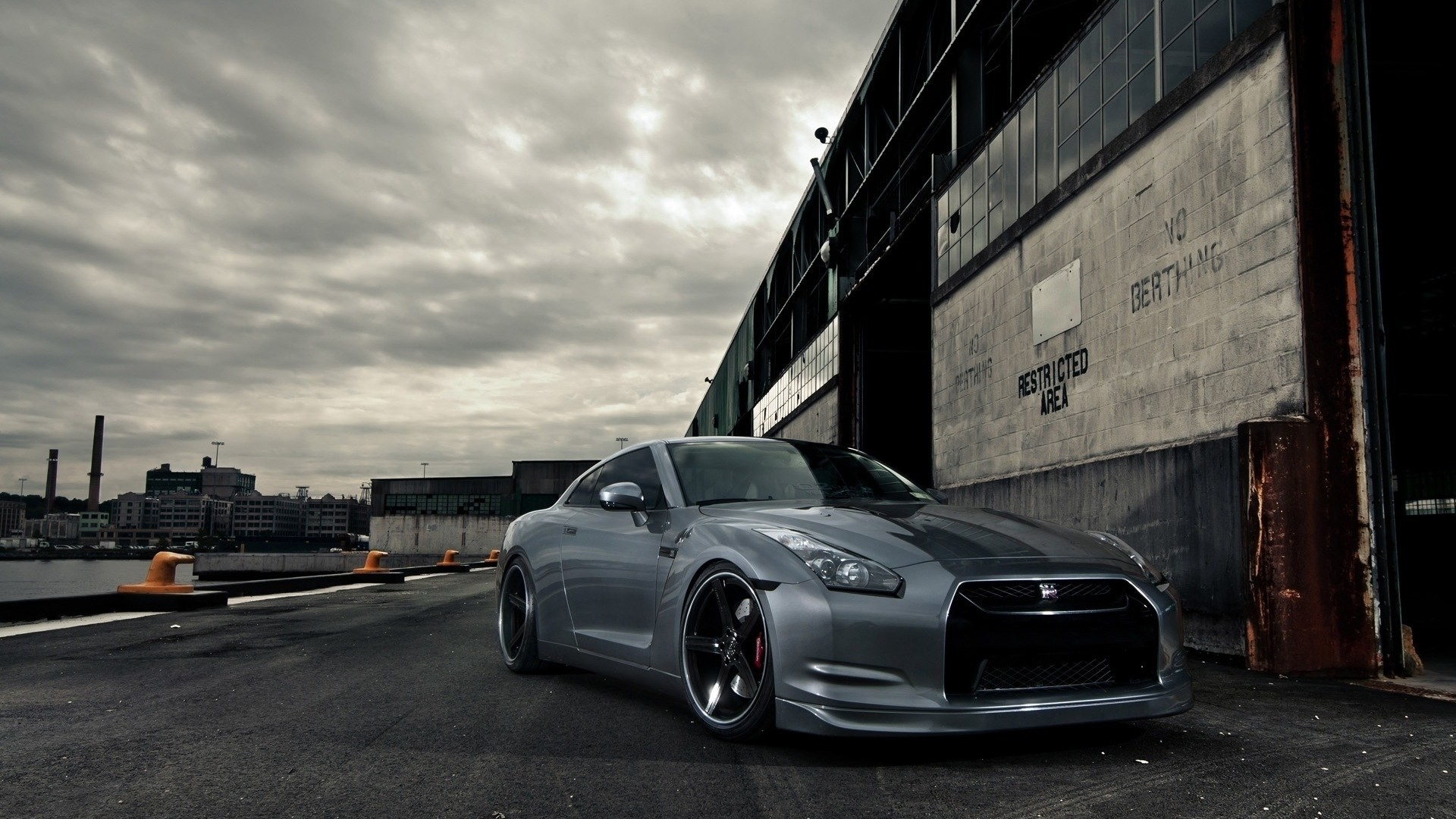 Download Nissan GT-R wallpaper (1920×1080)