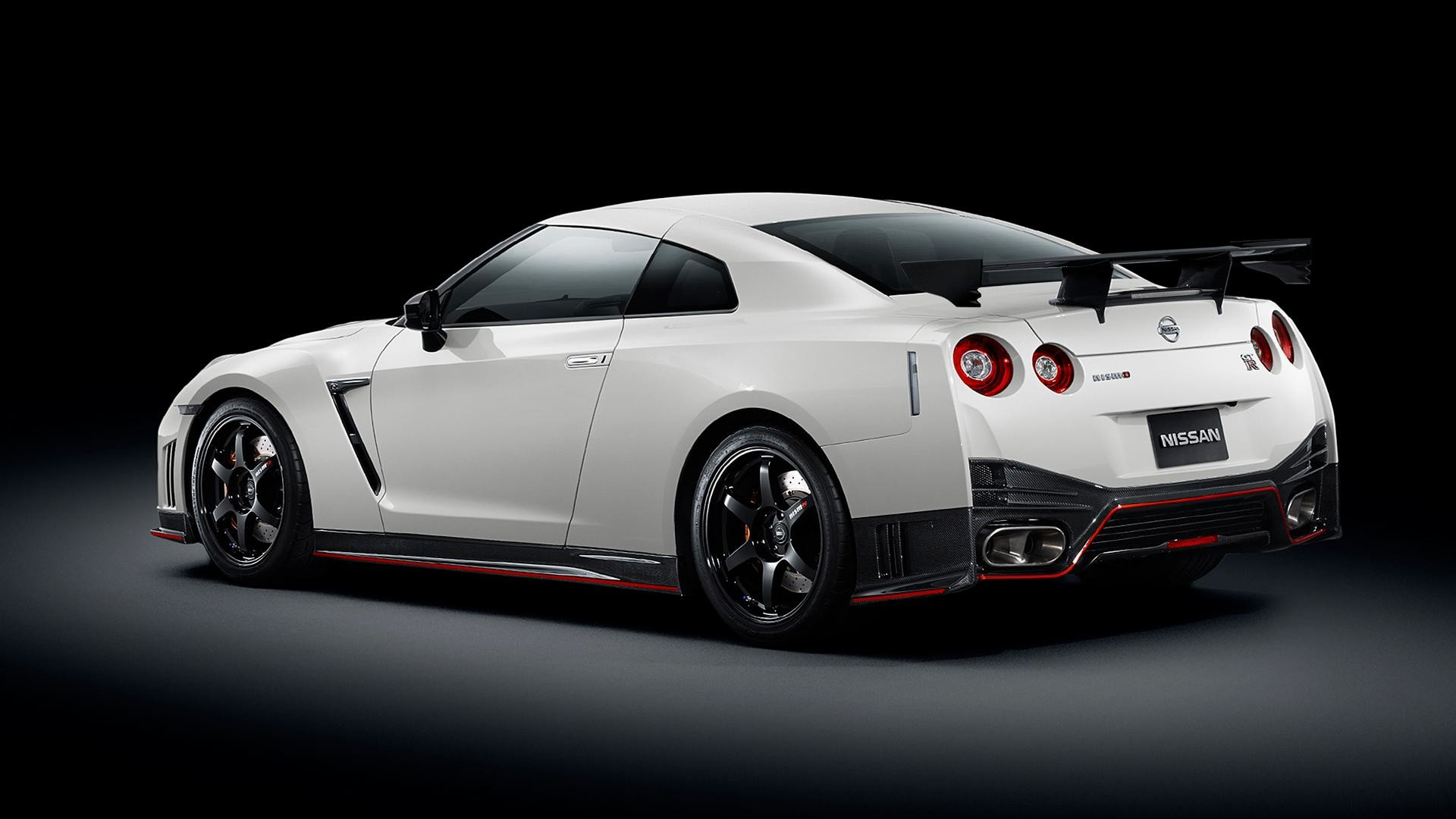 Photos-Download-White-Nissan-Gtr-Wallpapers-HD
