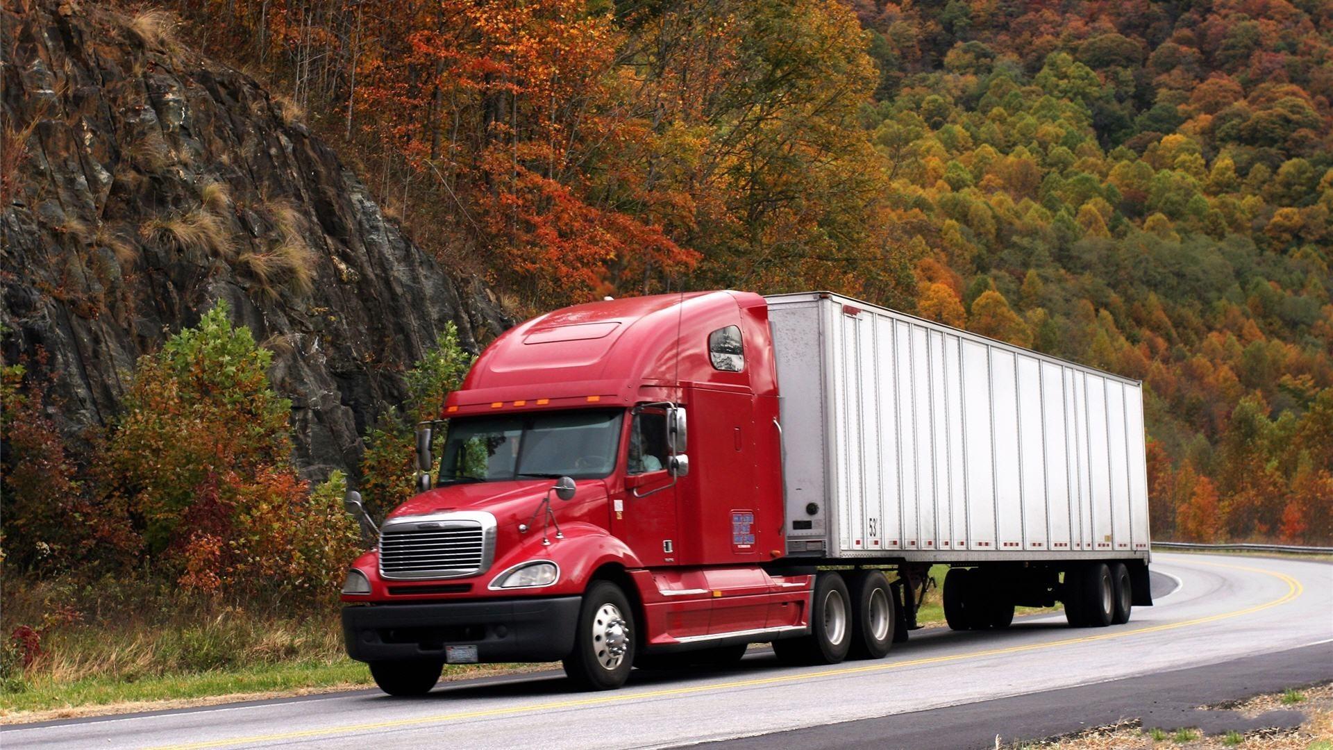 Download Free Semi Truck Wallpaper.