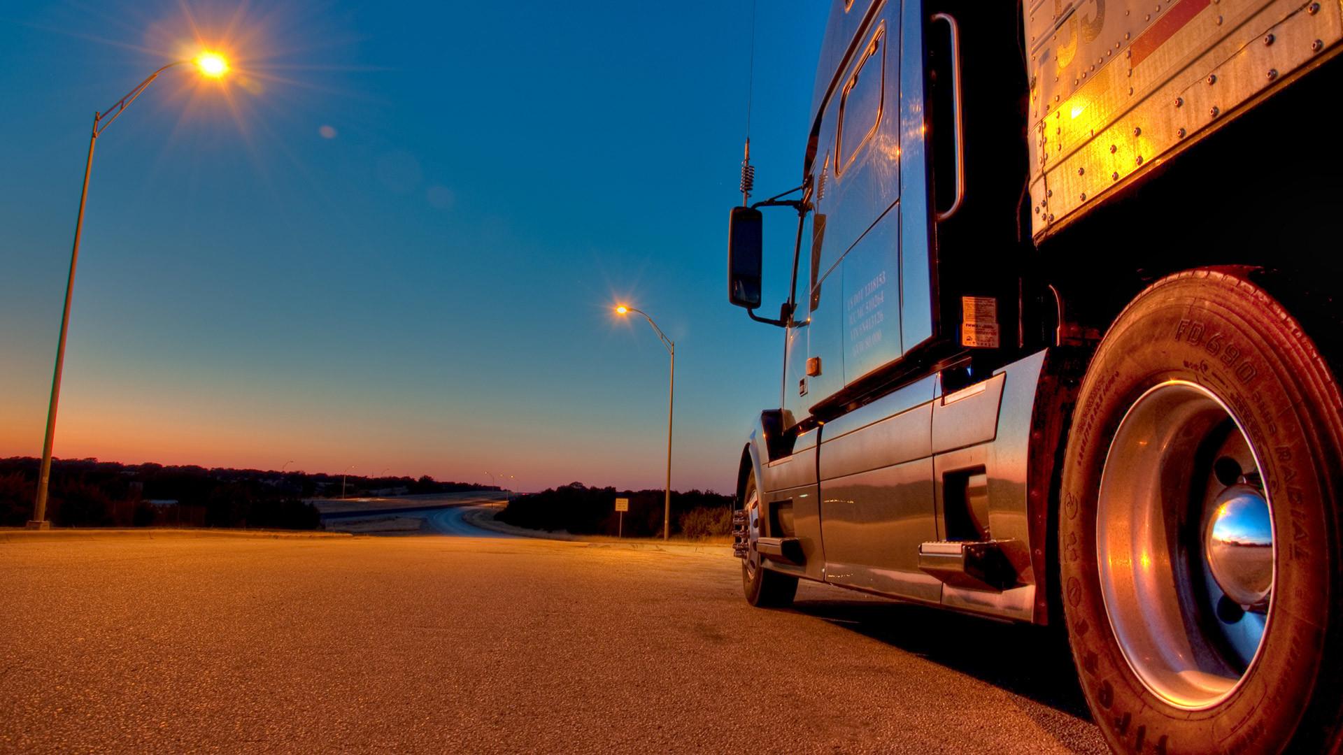 Semi Truck Wallpaper 13984