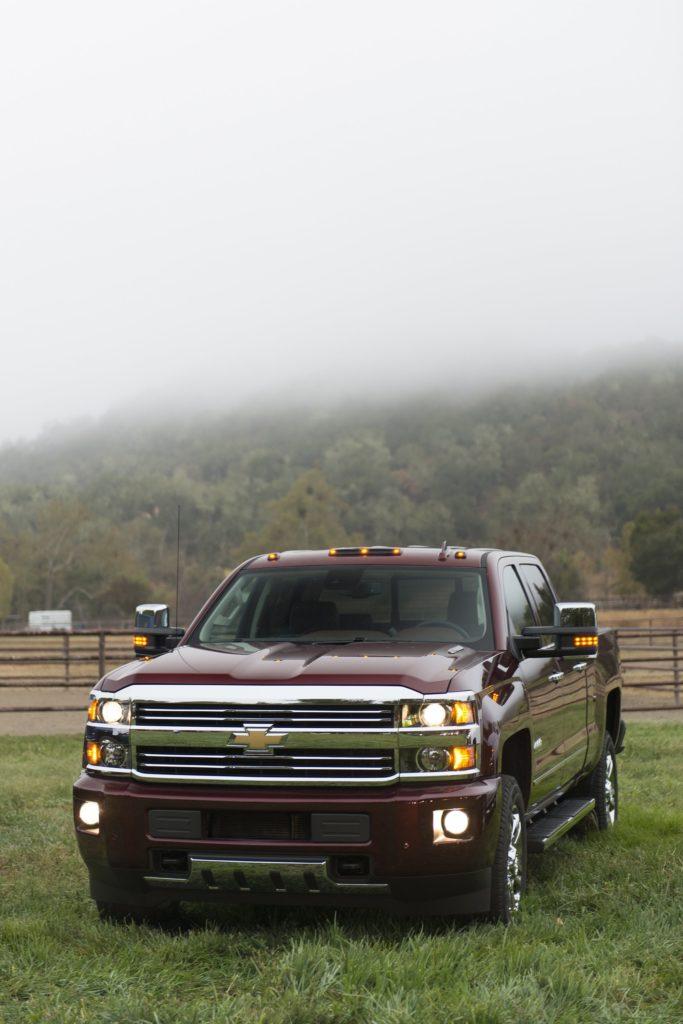 2016 Chevrolet Silverado 2500 H-D High Country Crew Cab pickup wallpaper |  | 815009 | WallpaperUP