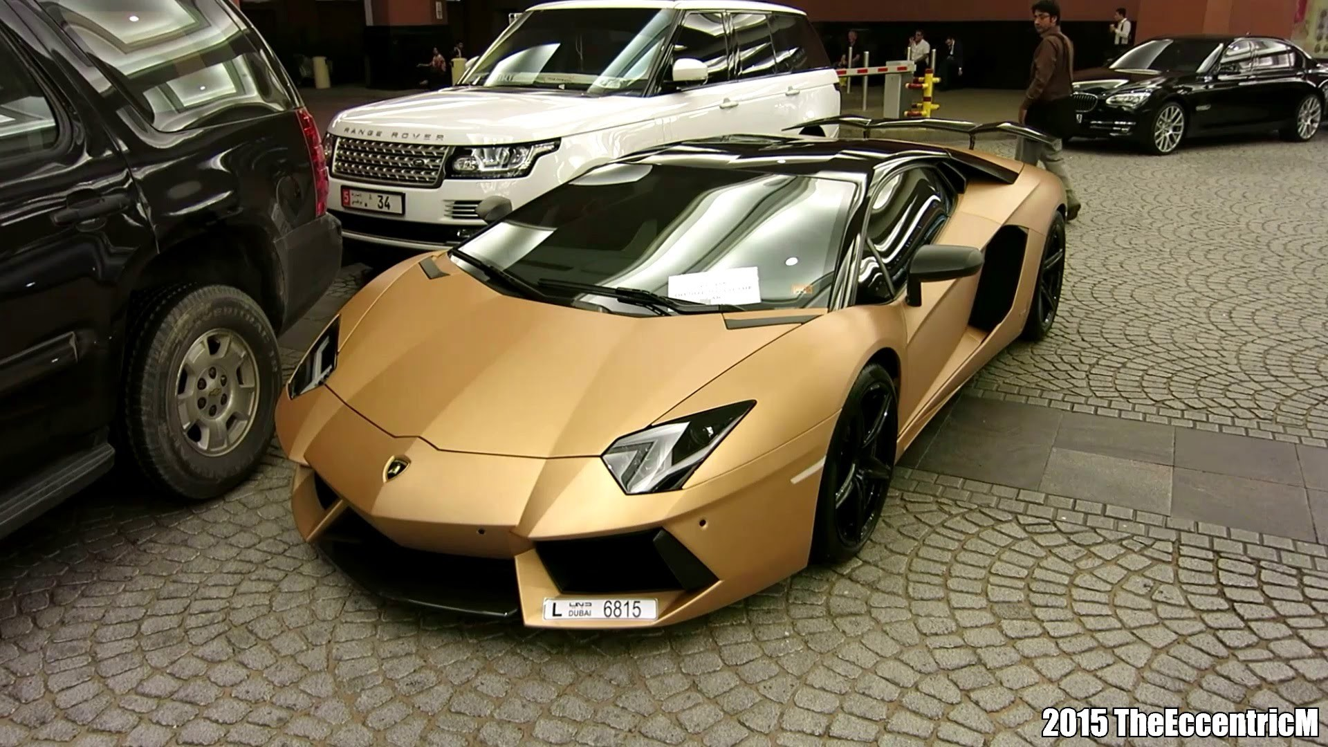 Matte Gold Lamborghini Aventador LP700-4 at Mall of the Emirates! – YouTube