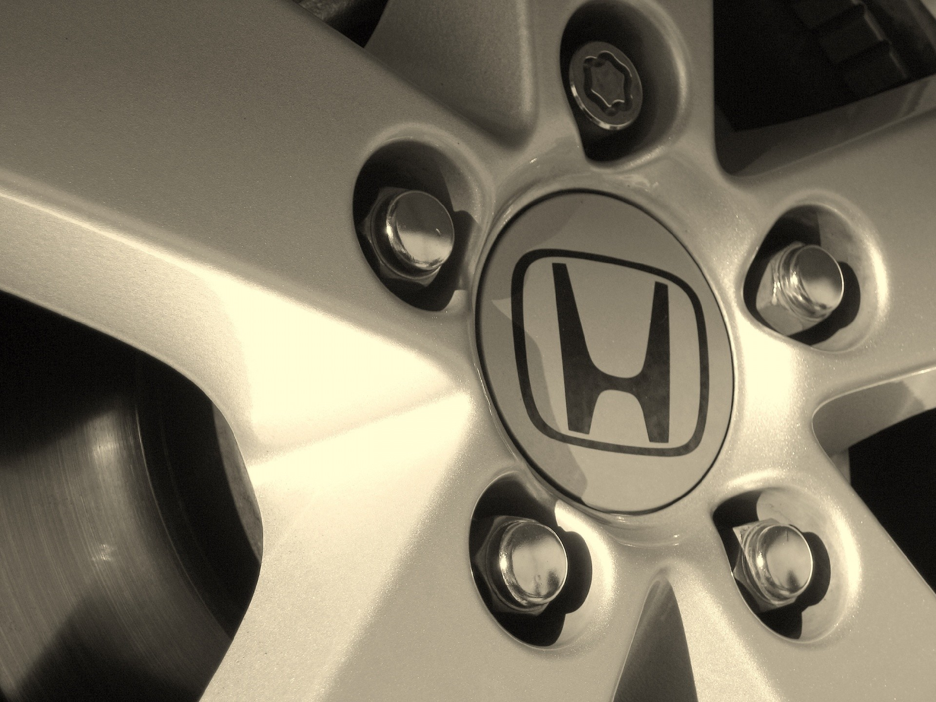 Honda Car Rim Wallpaper 20831