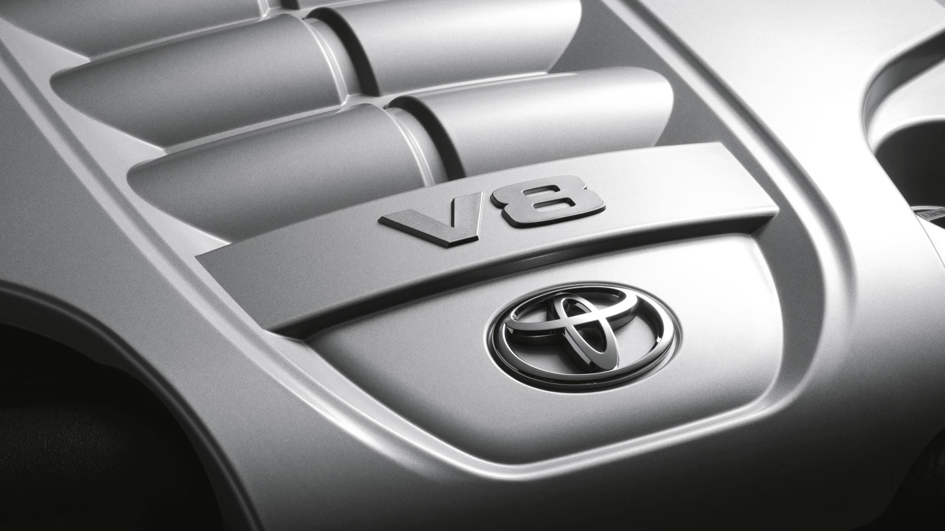 V8 engine detail