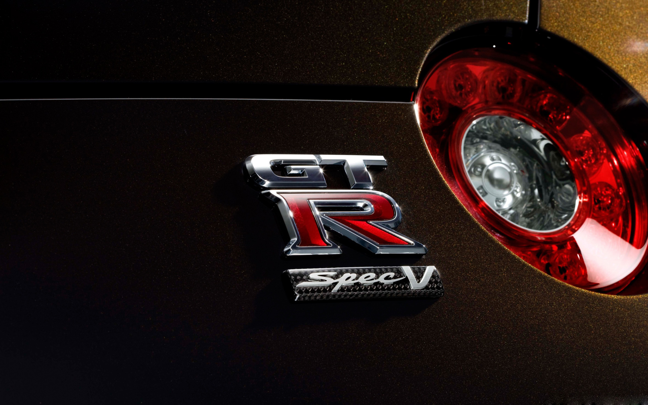 Nissan-gtr-r35-6-wallpaper-hd-2560×1600