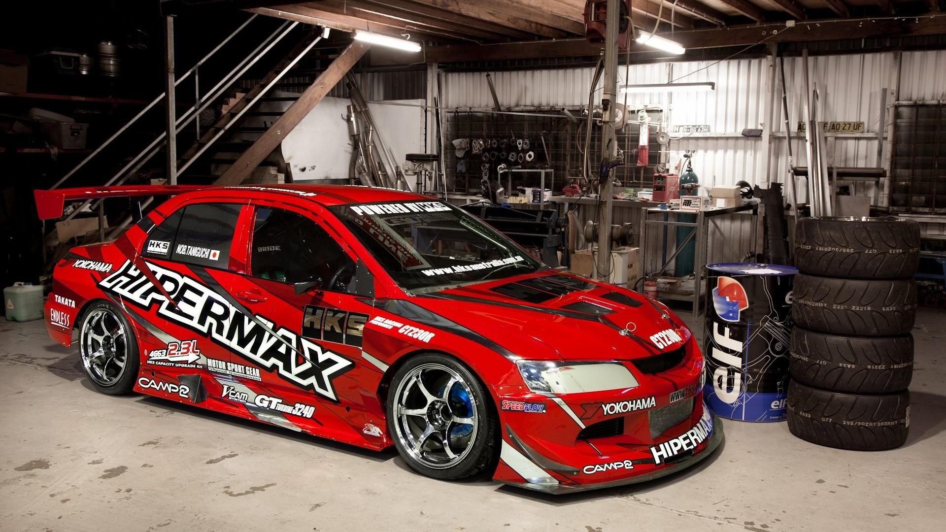 Mitsubishi Lancer Evolution In Garage HD Wallpapers