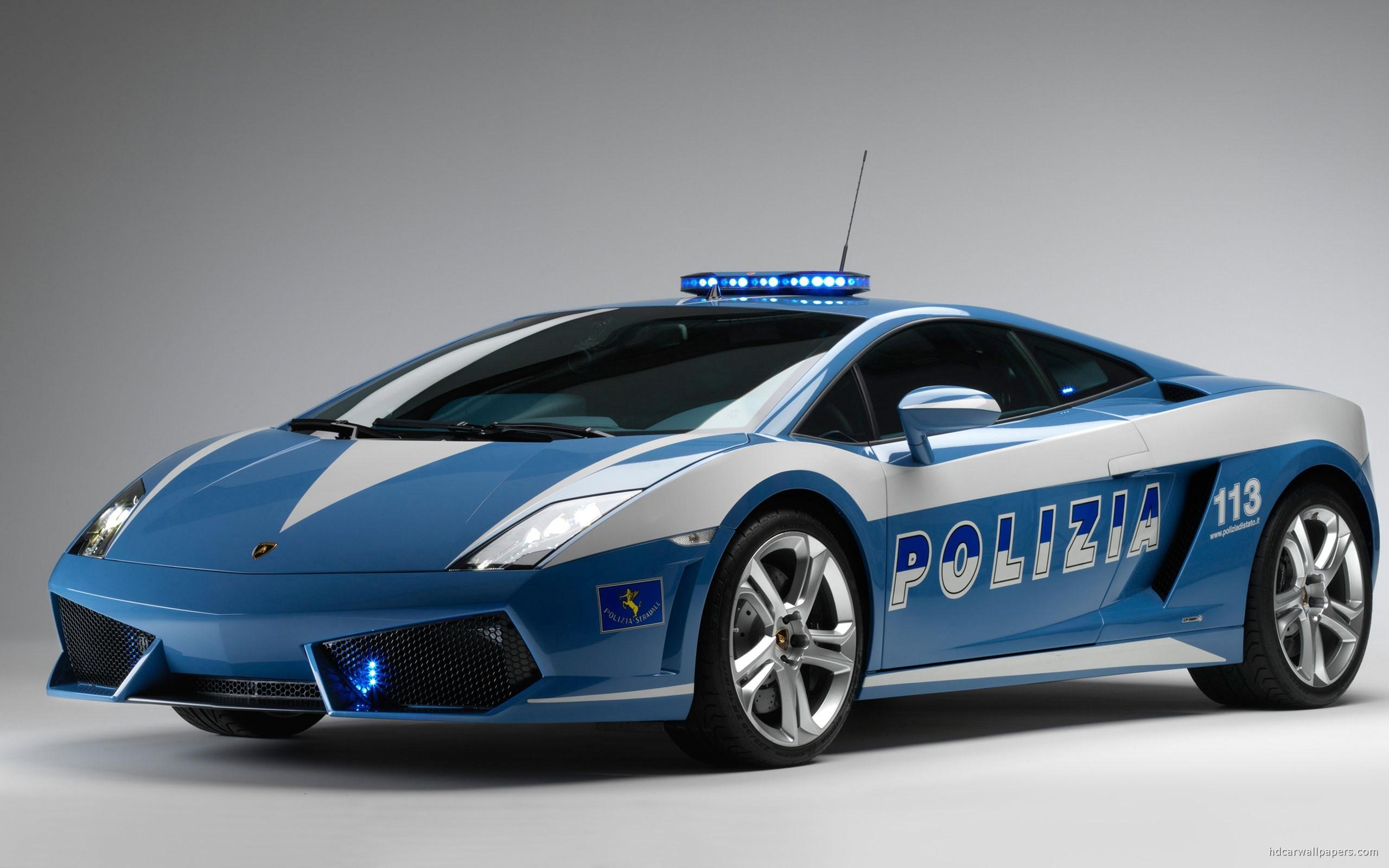 Widescreen Lamborghini Italian Police Car
