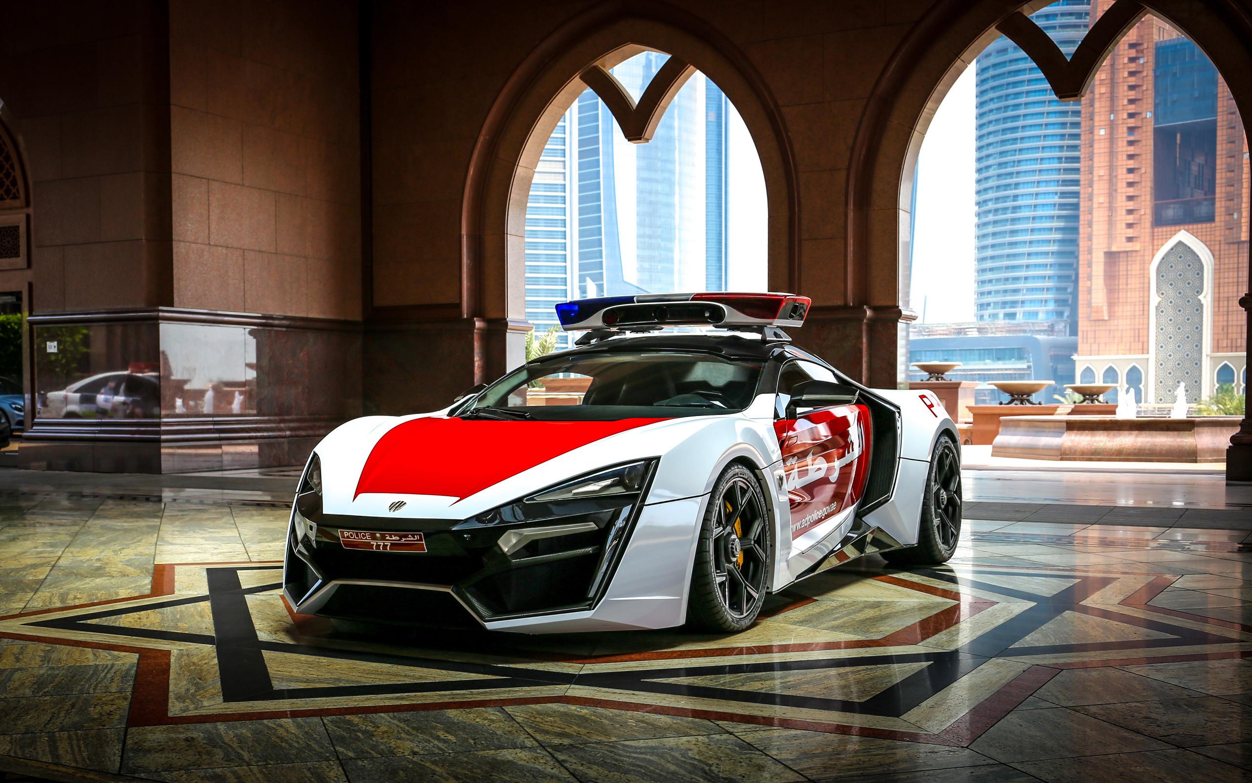2015 W Motors Lykan Hypersport Abu Dhabi Police