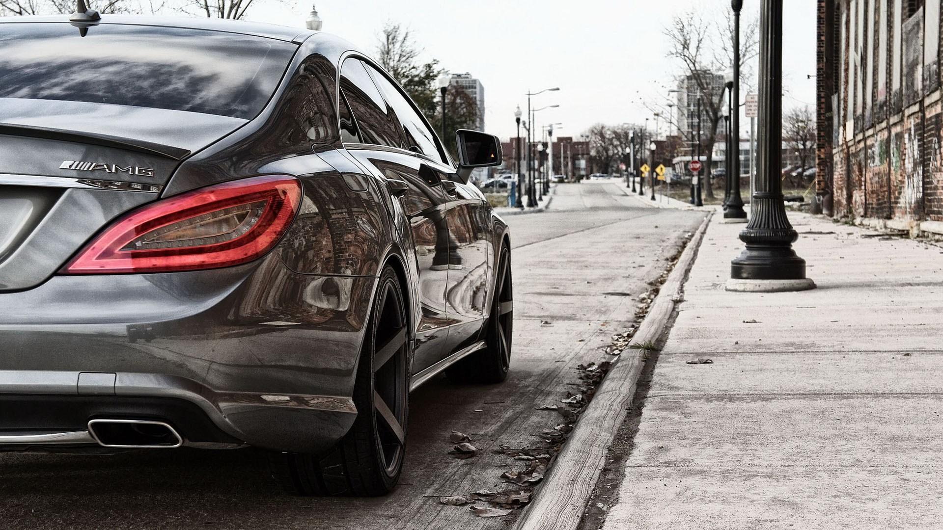 Mercedes Mlg Near Sidewalk. mercedes benz logo