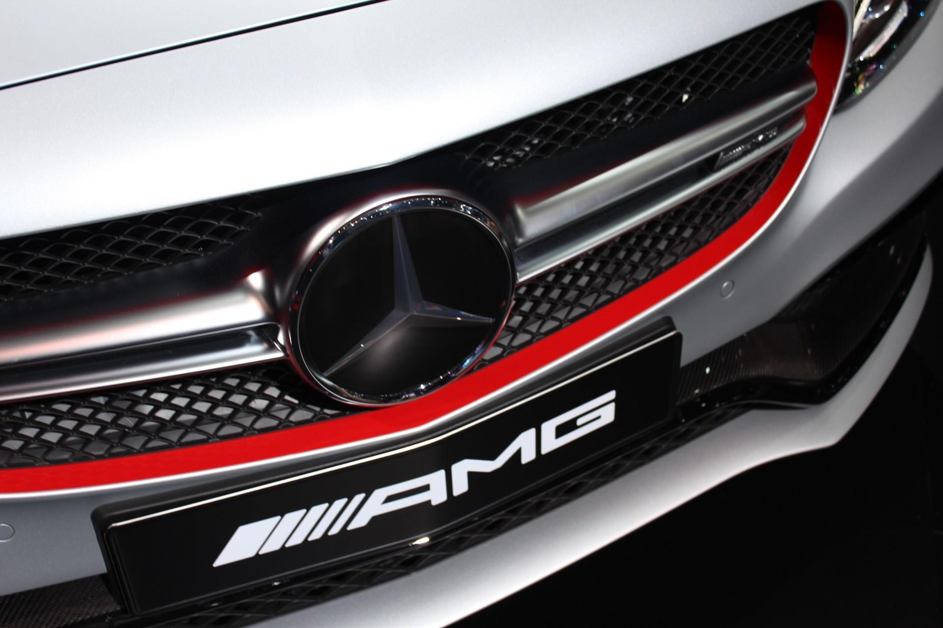 … 2016 Mercedes-Benz C63 AMG Emblem