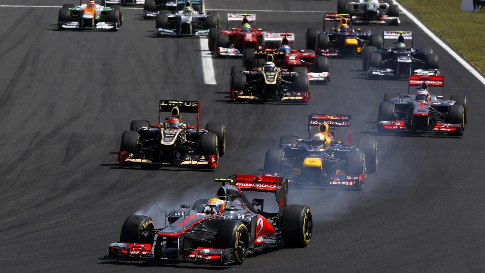 Start of 2012 Hungarian F1 GP …