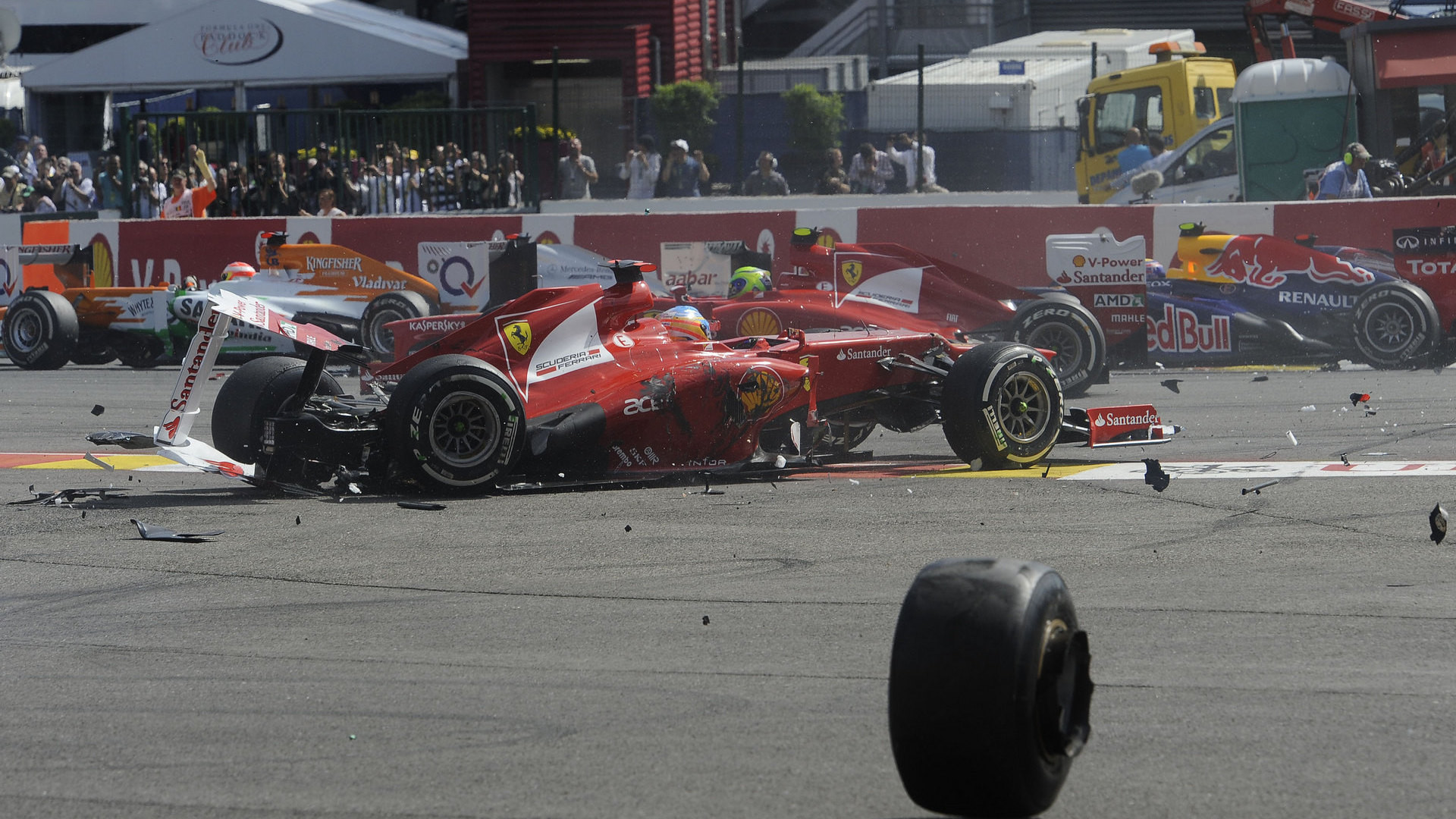 Fernando Alonso Crash …