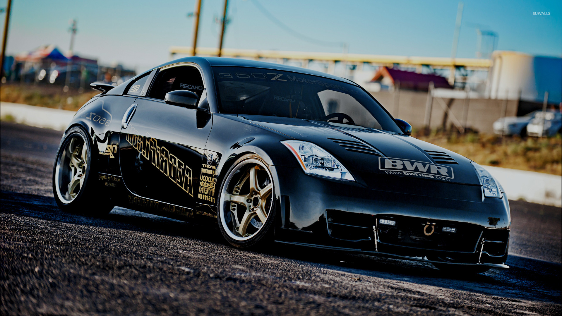 Front side view of a Nissan 350Z wallpaper
