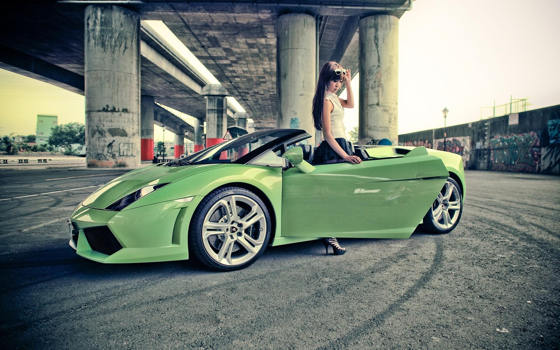 Girl With Lamborghini Gallardo