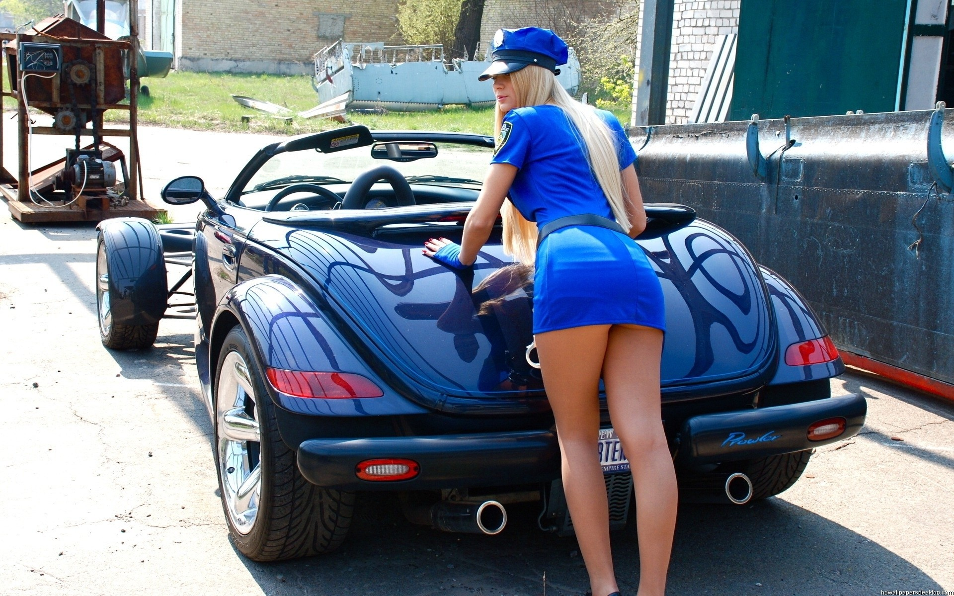 Girls-and-Cars-Wallpapers-23.jpg