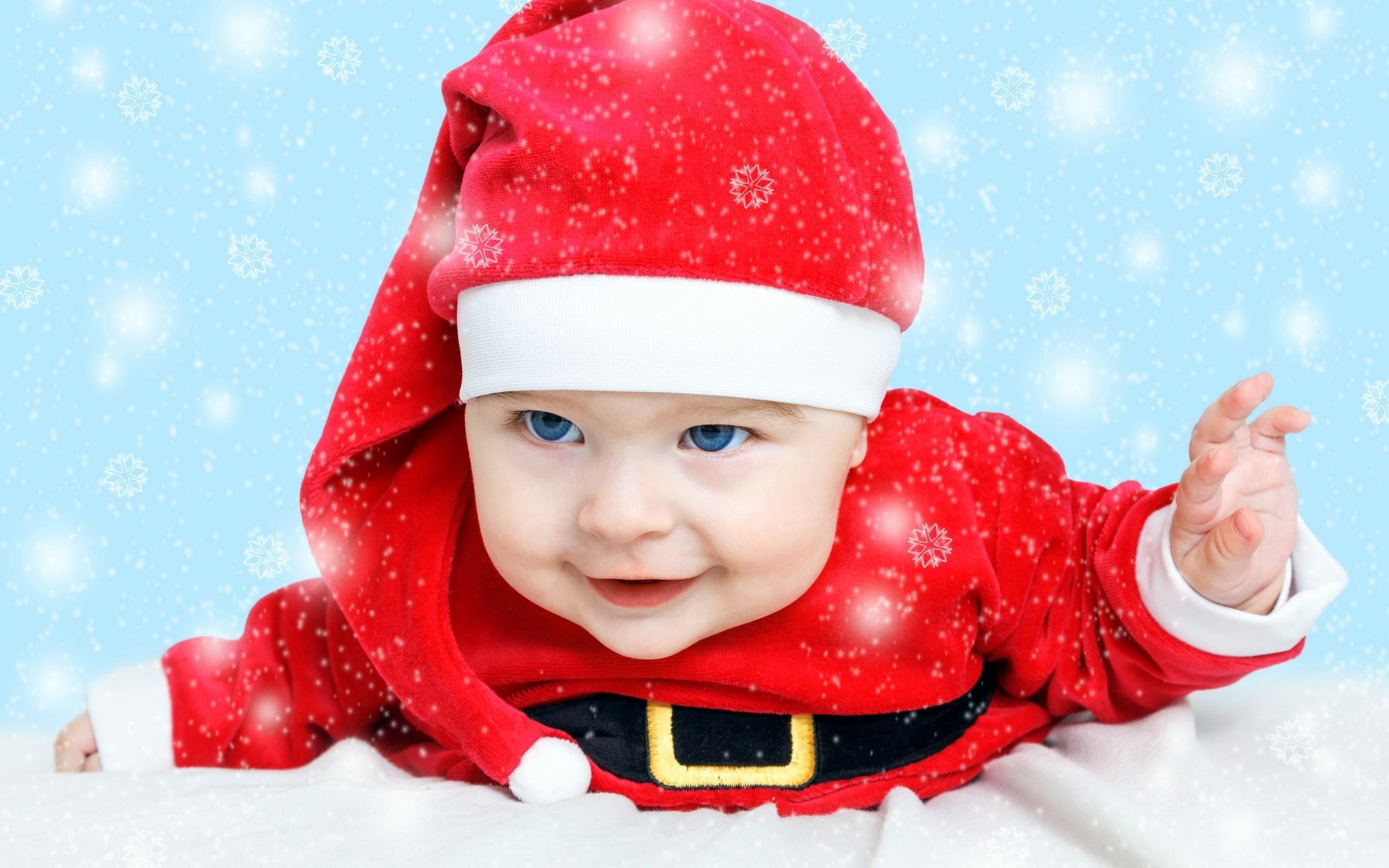 Cute Little Boy Santa >