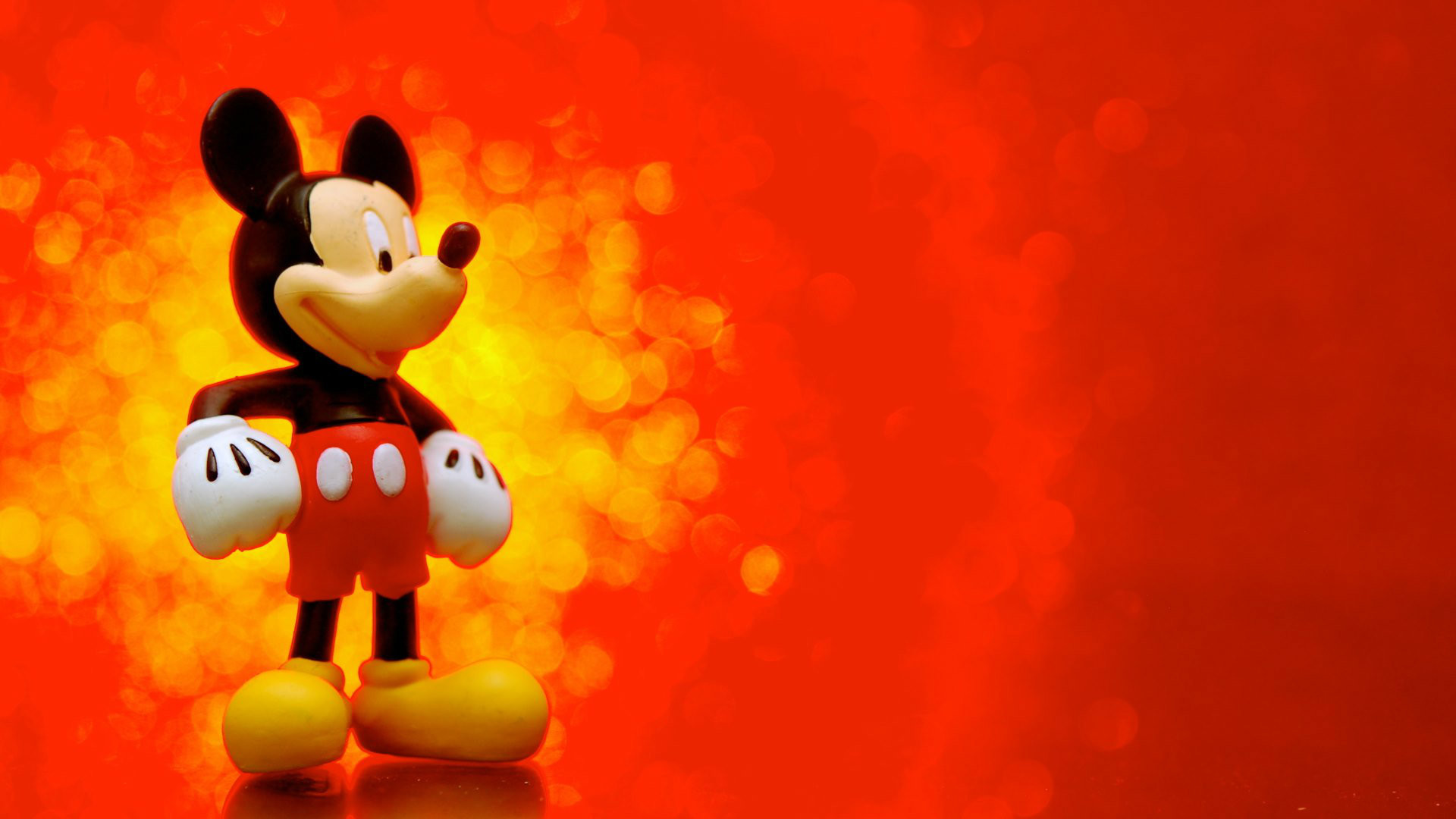 Free Download Mickey Mouse Cartoon HD Wallpaper