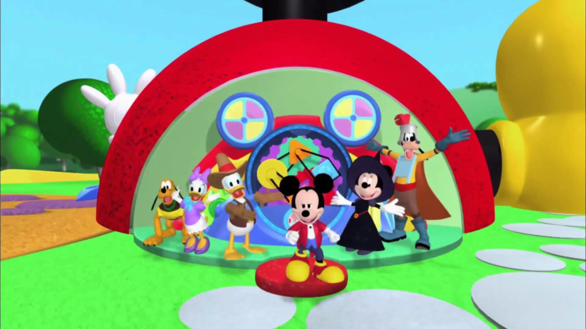 Mickey Mouse Clubhouse – Halloween Hotdog Dance – YouTube