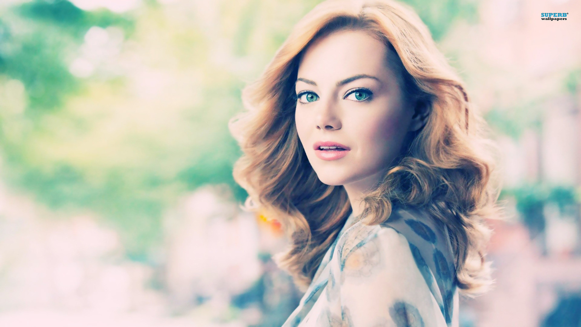 Emma Stone download wallpapers