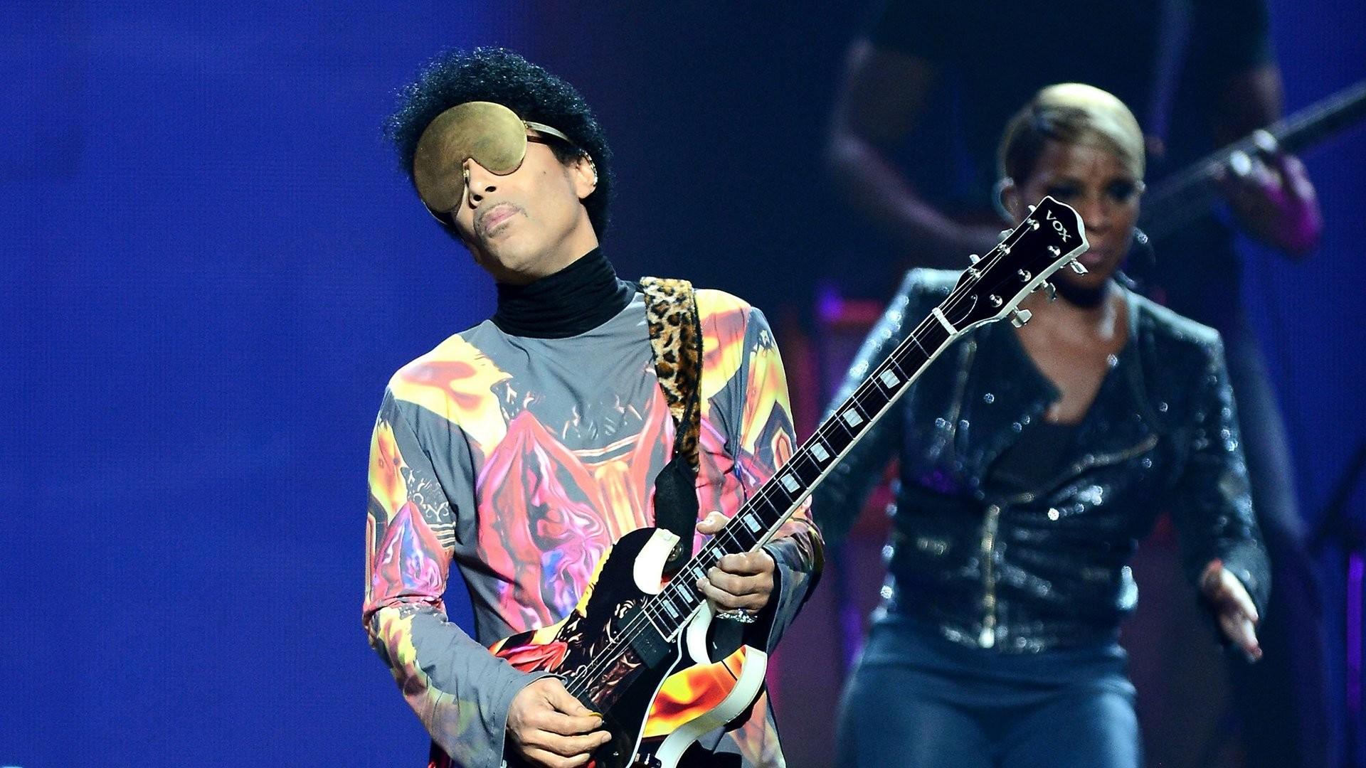 PRINCE singer r-b pop concert guitar wallpaper | | 284568 |  WallpaperUP