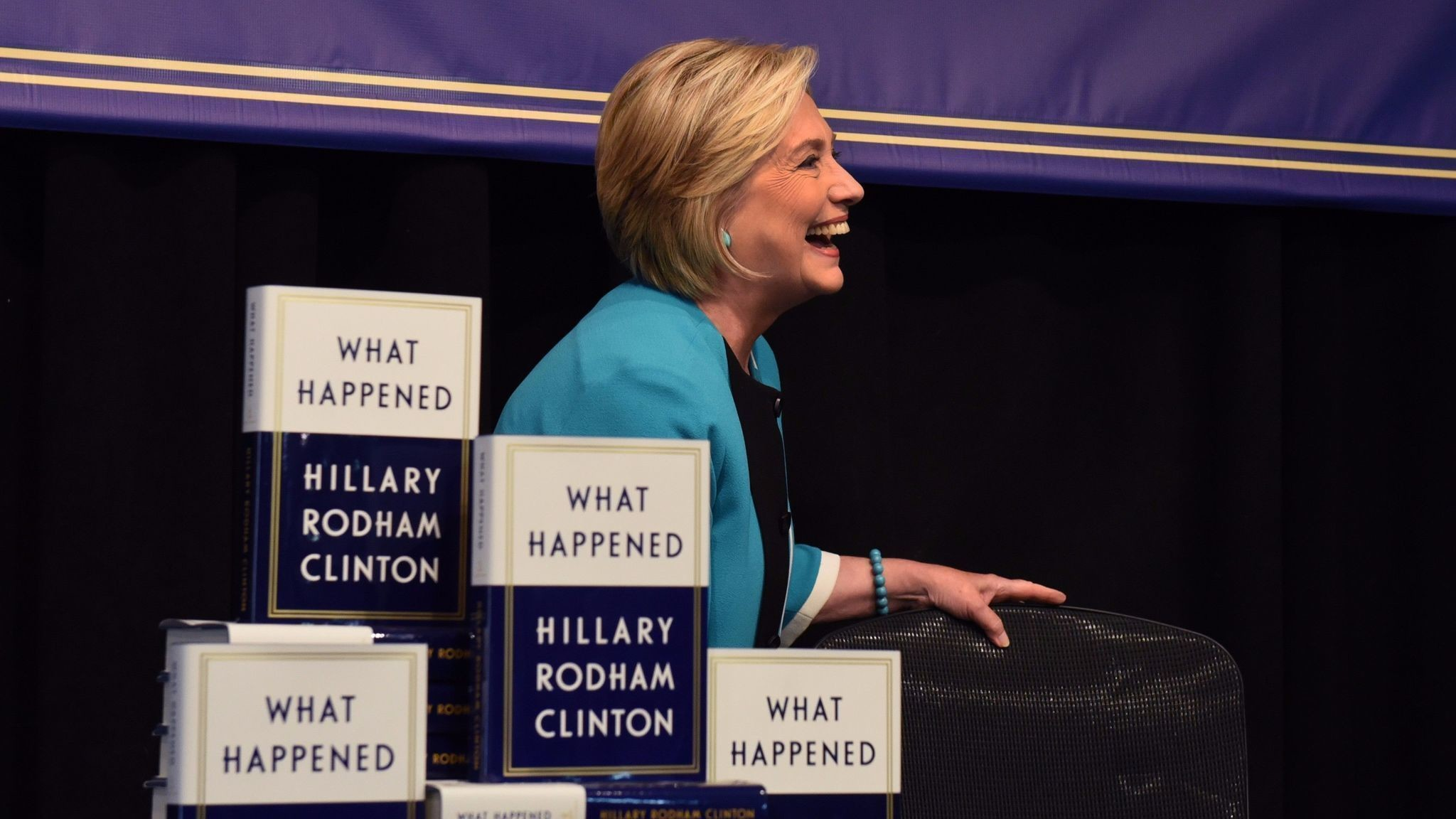 New York crowd cheers Hillary Clinton at book signing; Trump spokeswoman  has different reaction – Chicago Tribune