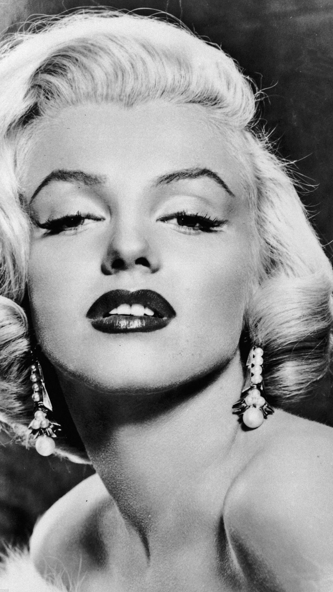Marilyn Monroe Sexy Classic Face Portrait #iPhone #6 #plus #wallpaper