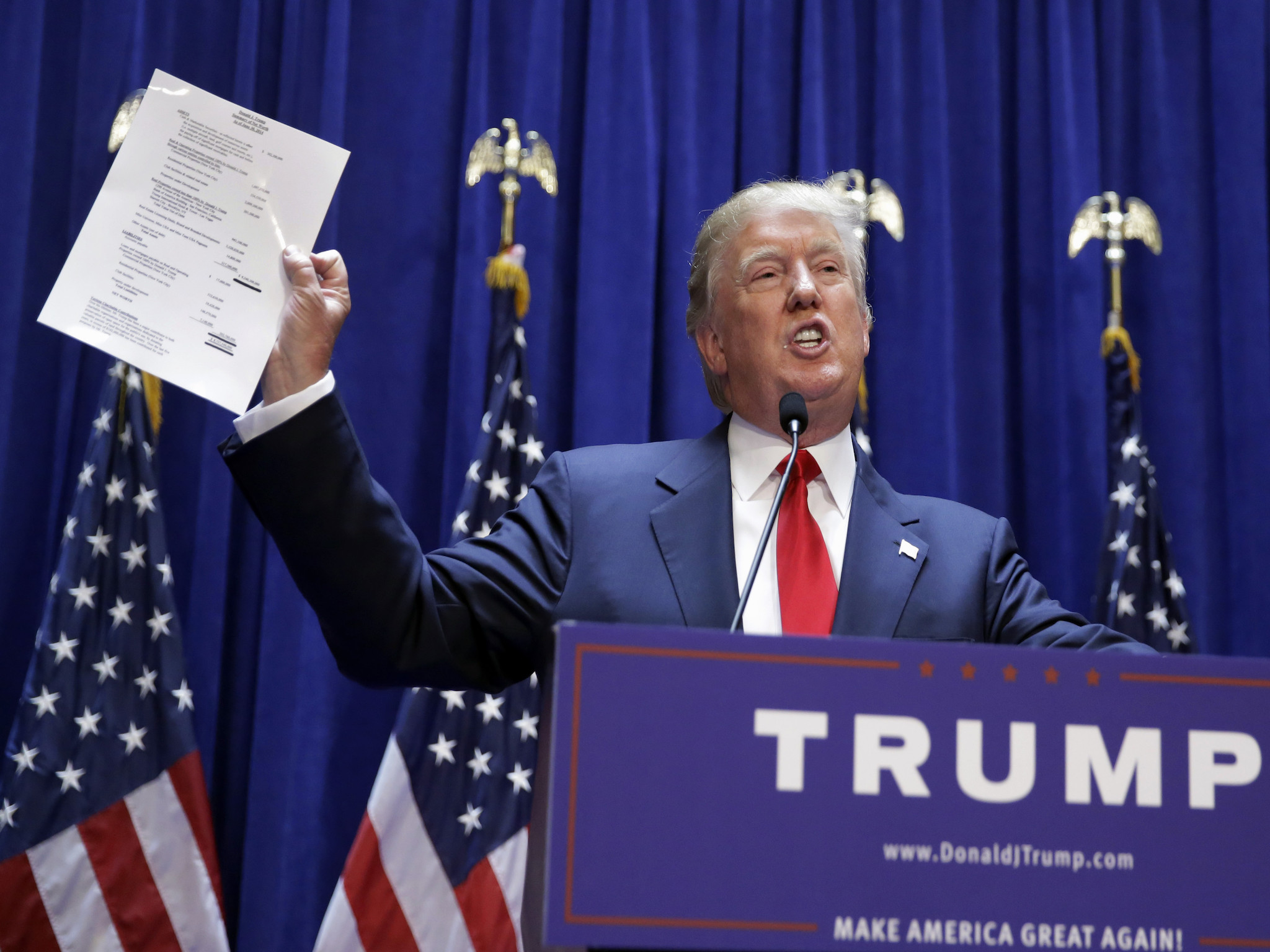 Donald Trump denies 'paying actors' to cheer at announcement of Republican  presidential bid | The Independent