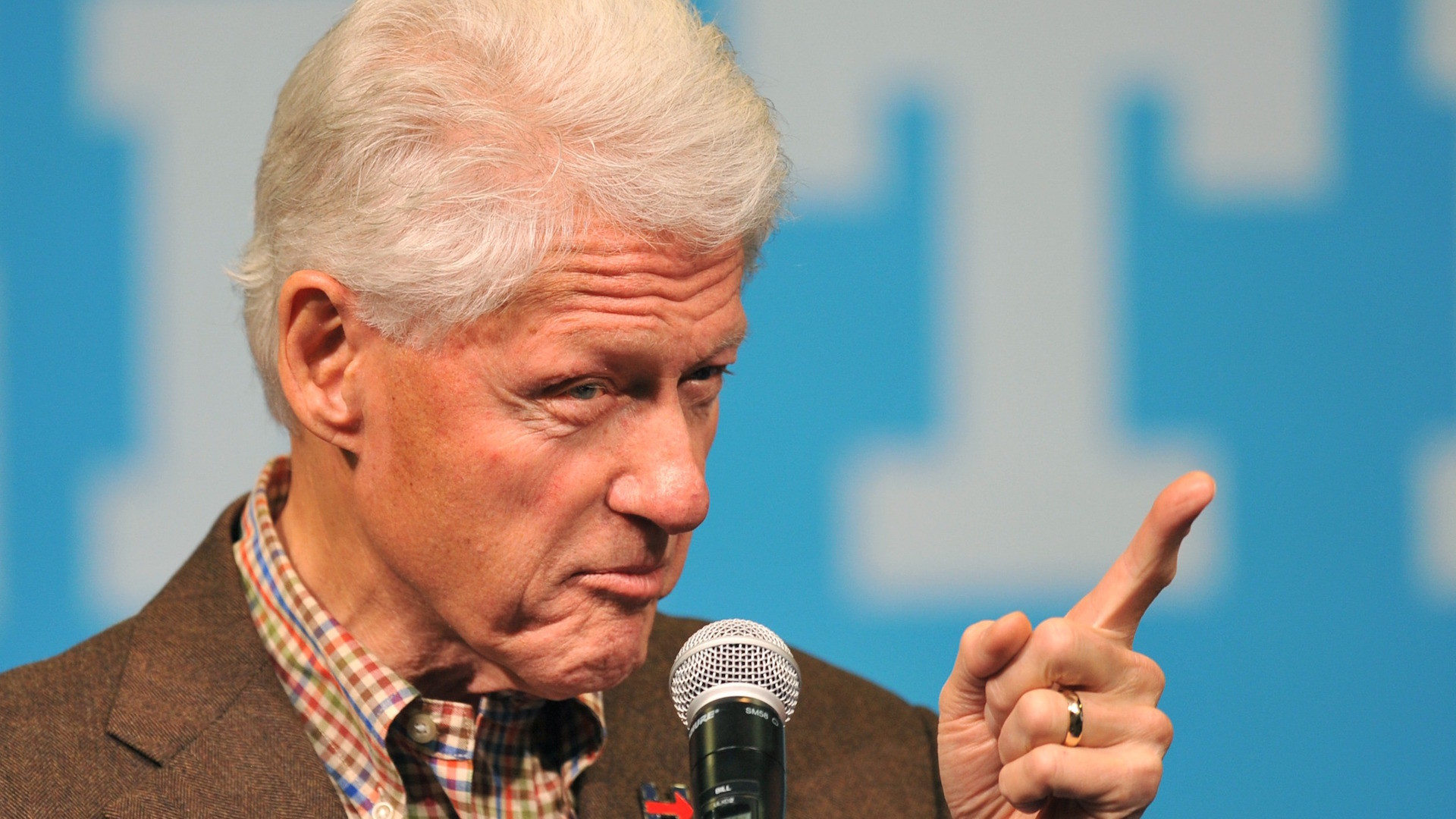 How Bill Clinton made things awkward for Hillary's 2016 campaign – The  Washington Post