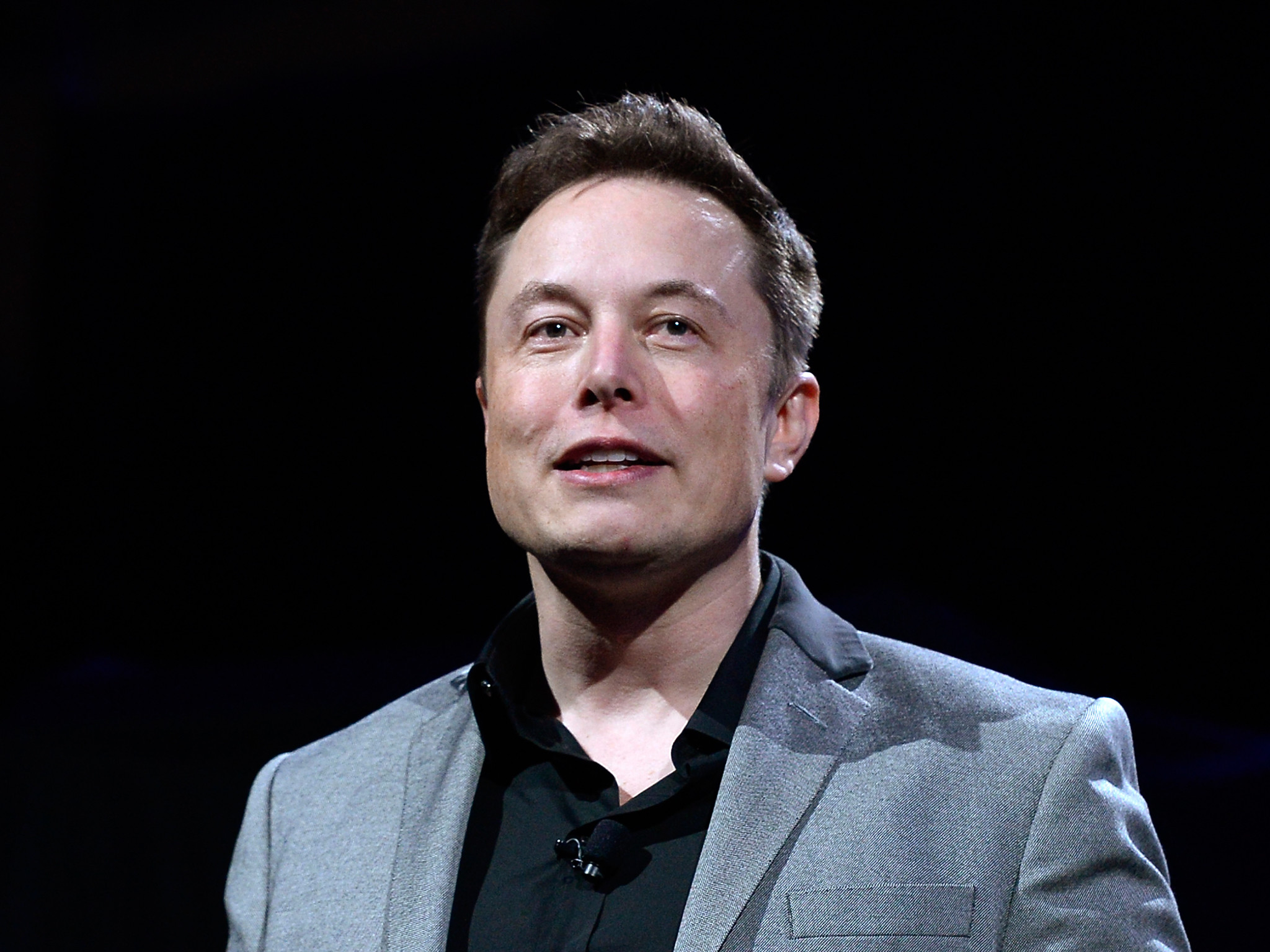 Elon Musk says people should receive a universal income once robots take  their jobs | The Independent