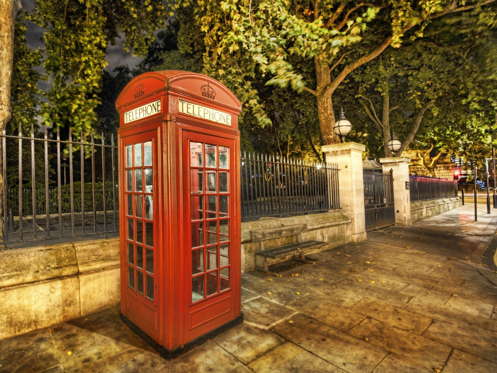Wallpaper london, city, street, phone booth